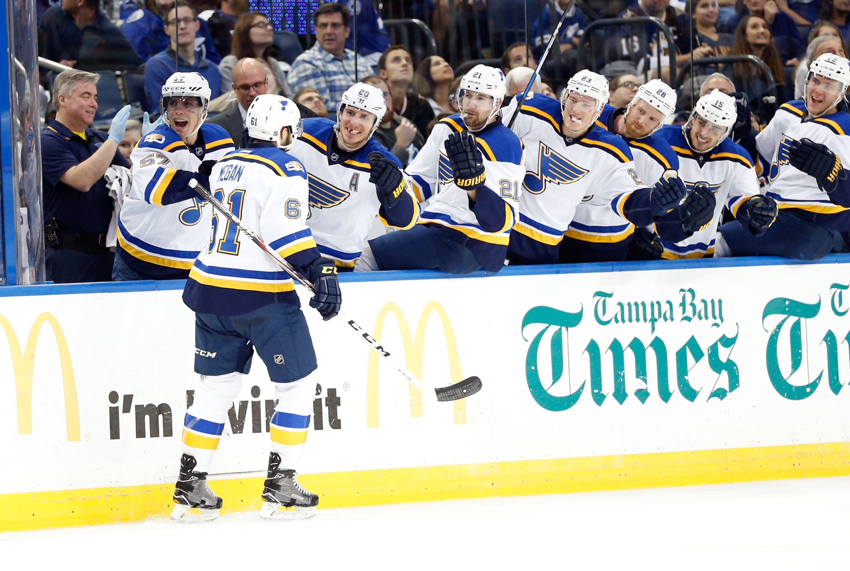9776211-nhl-st.-louis-blues-at-tampa-bay-lightning
