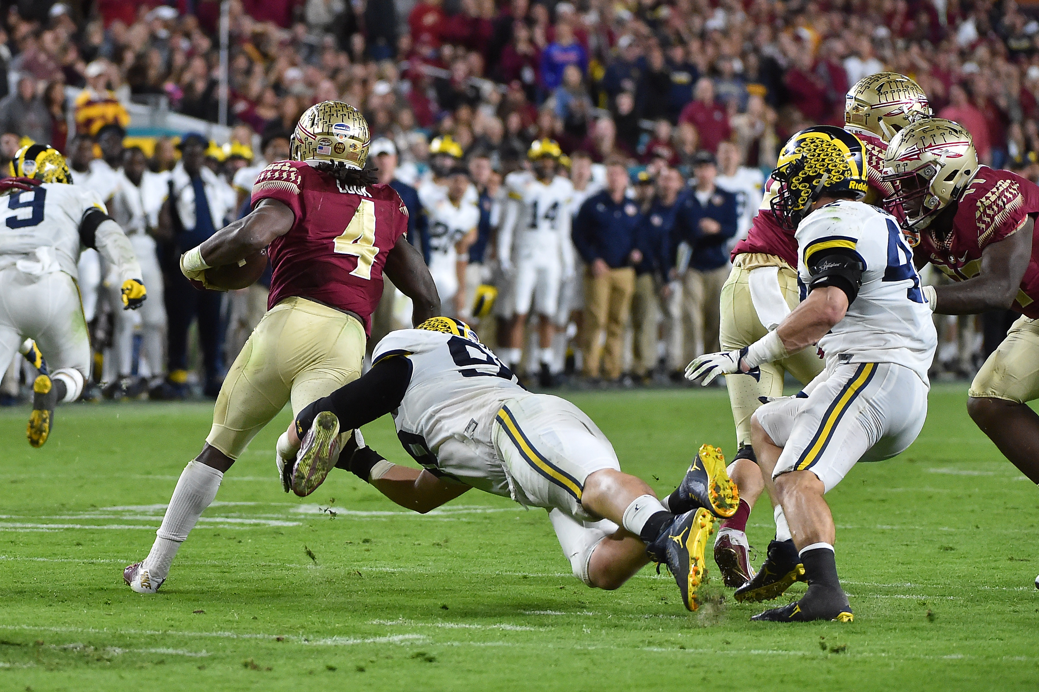 9778672-ncaa-football-orange-bowl-michigan-vs-florida-state