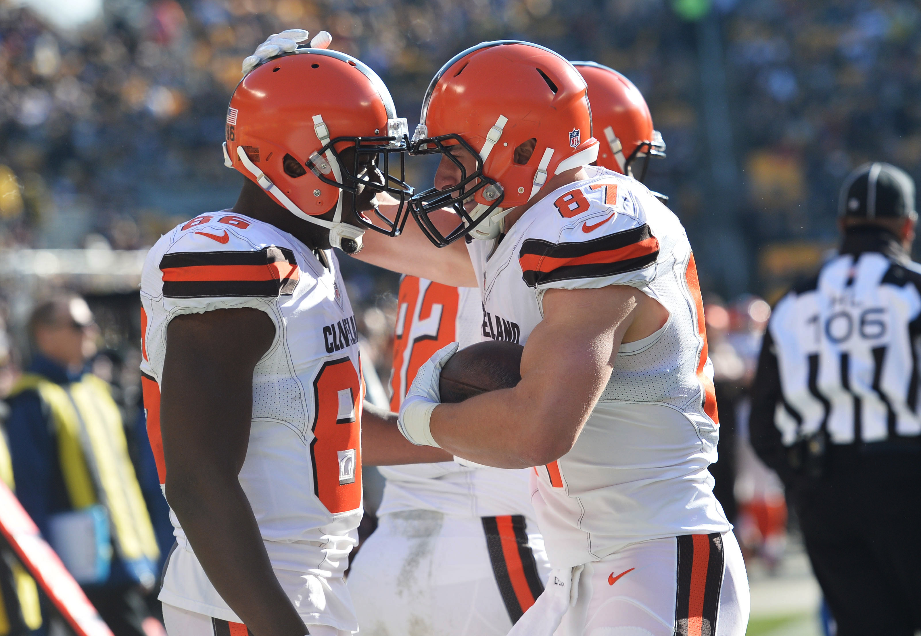 9781186-nfl-cleveland-browns-at-pittsburgh-steelers