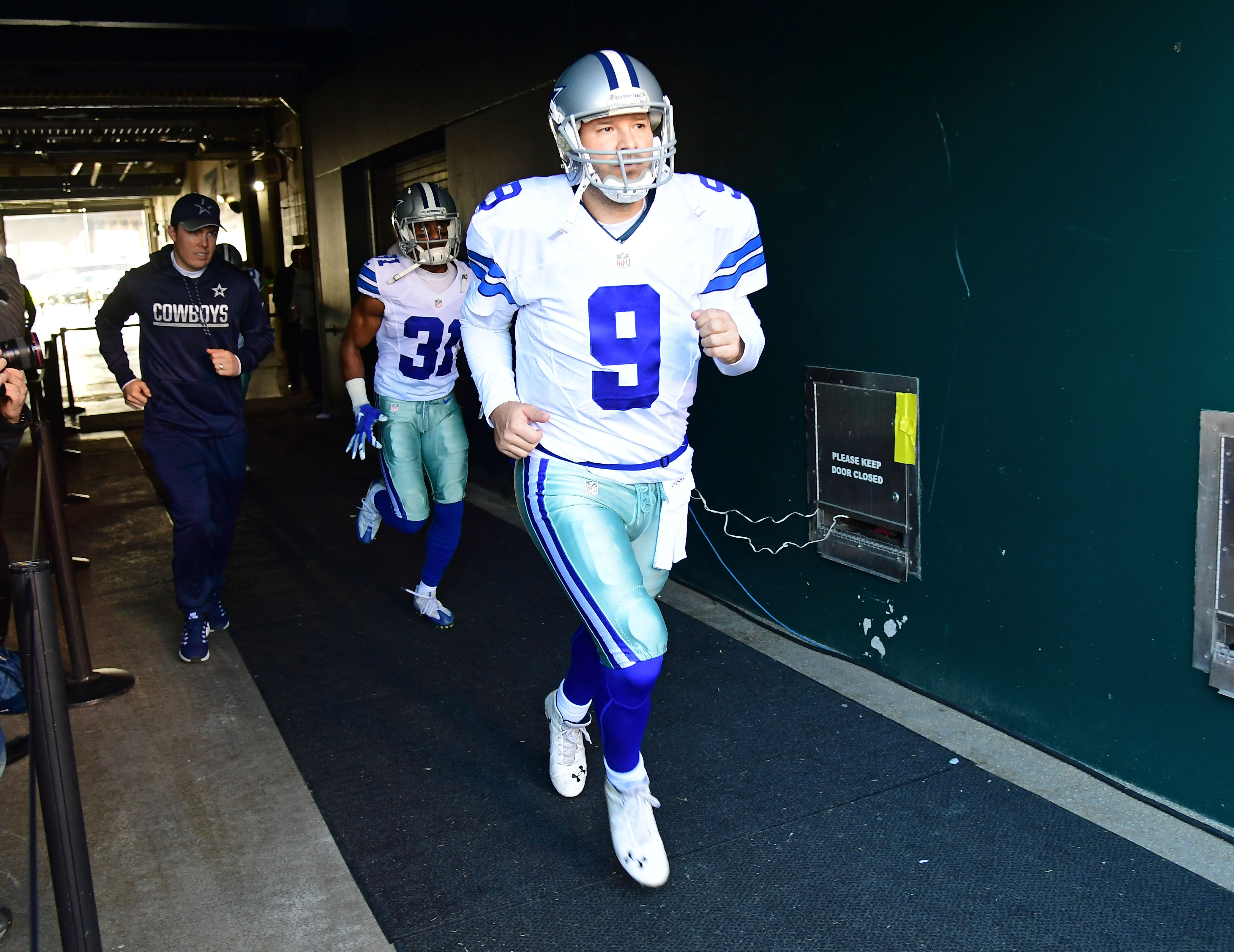 9781371-nfl-dallas-cowboys-at-philadelphia-eagles