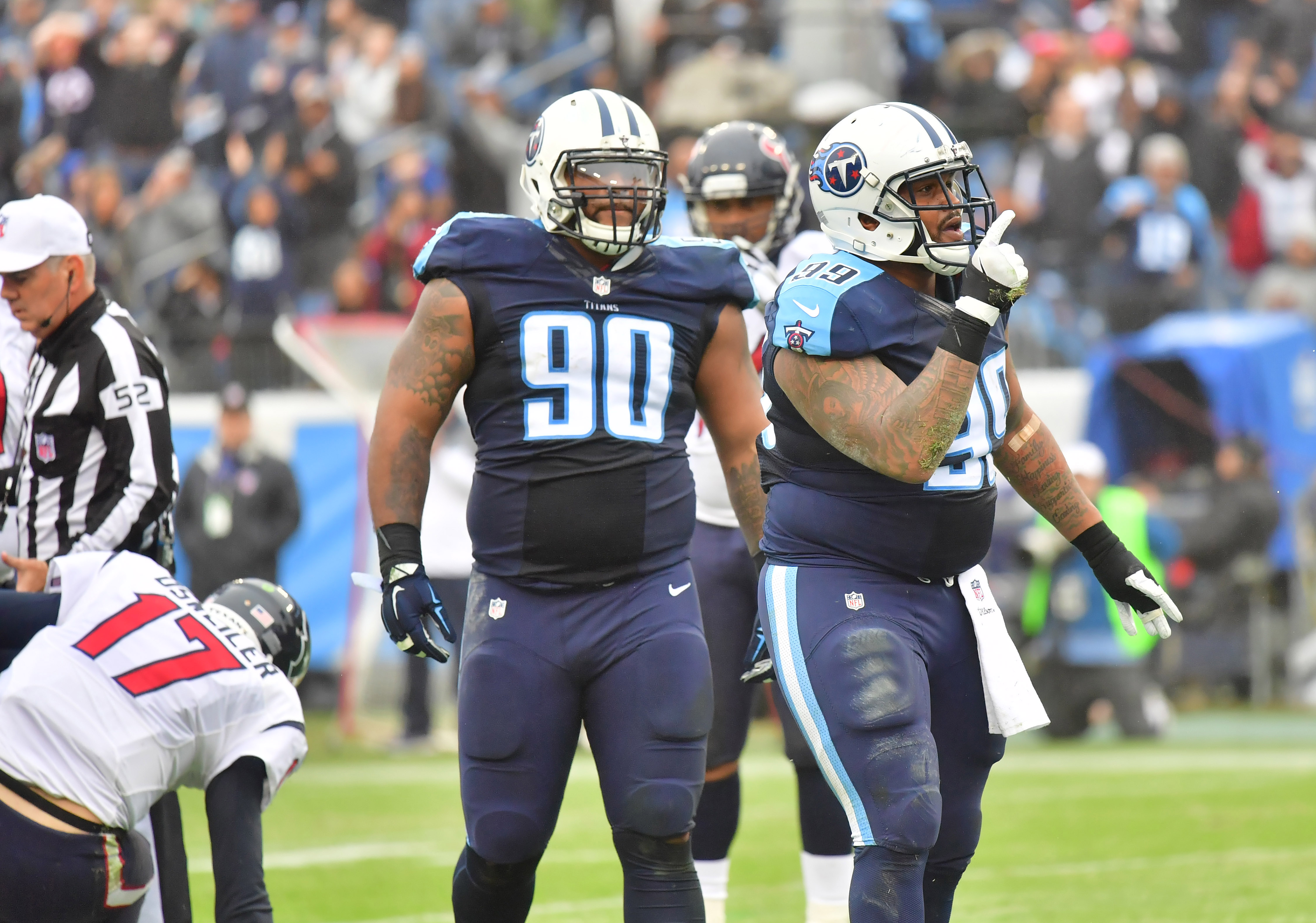9781562-nfl-houston-texans-at-tennessee-titans