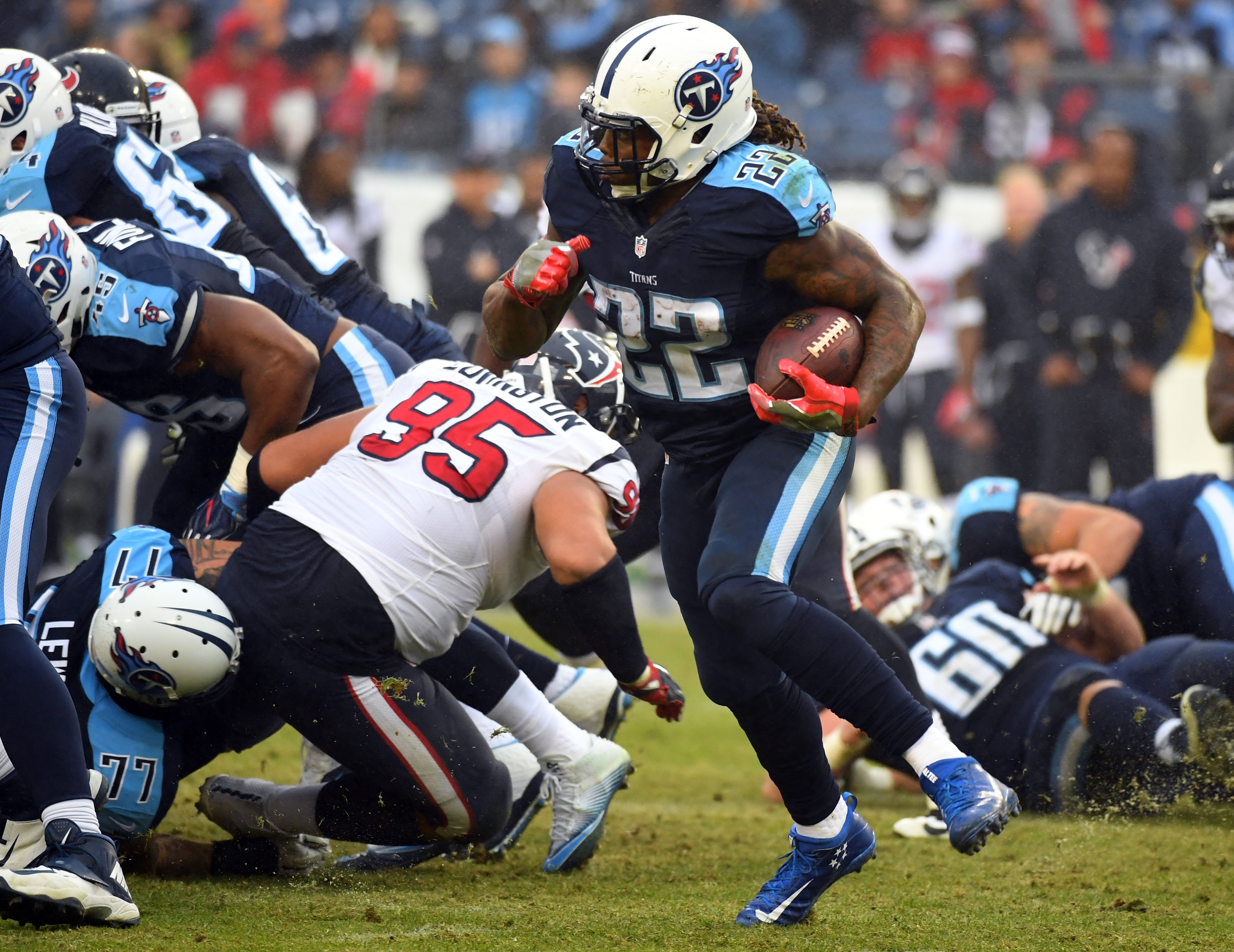 9781895-nfl-houston-texans-at-tennessee-titans