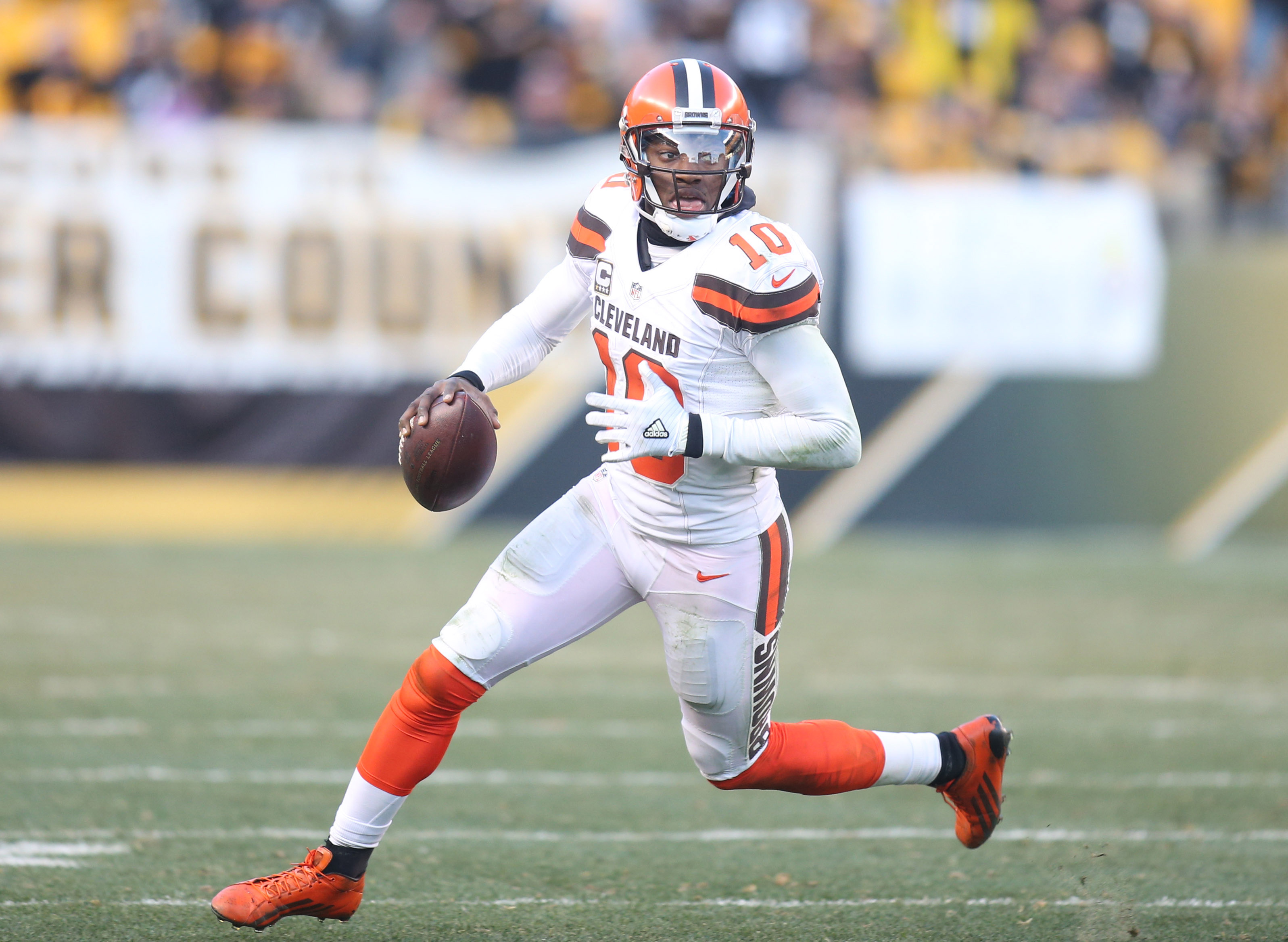 9782492-nfl-cleveland-browns-at-pittsburgh-steelers-1