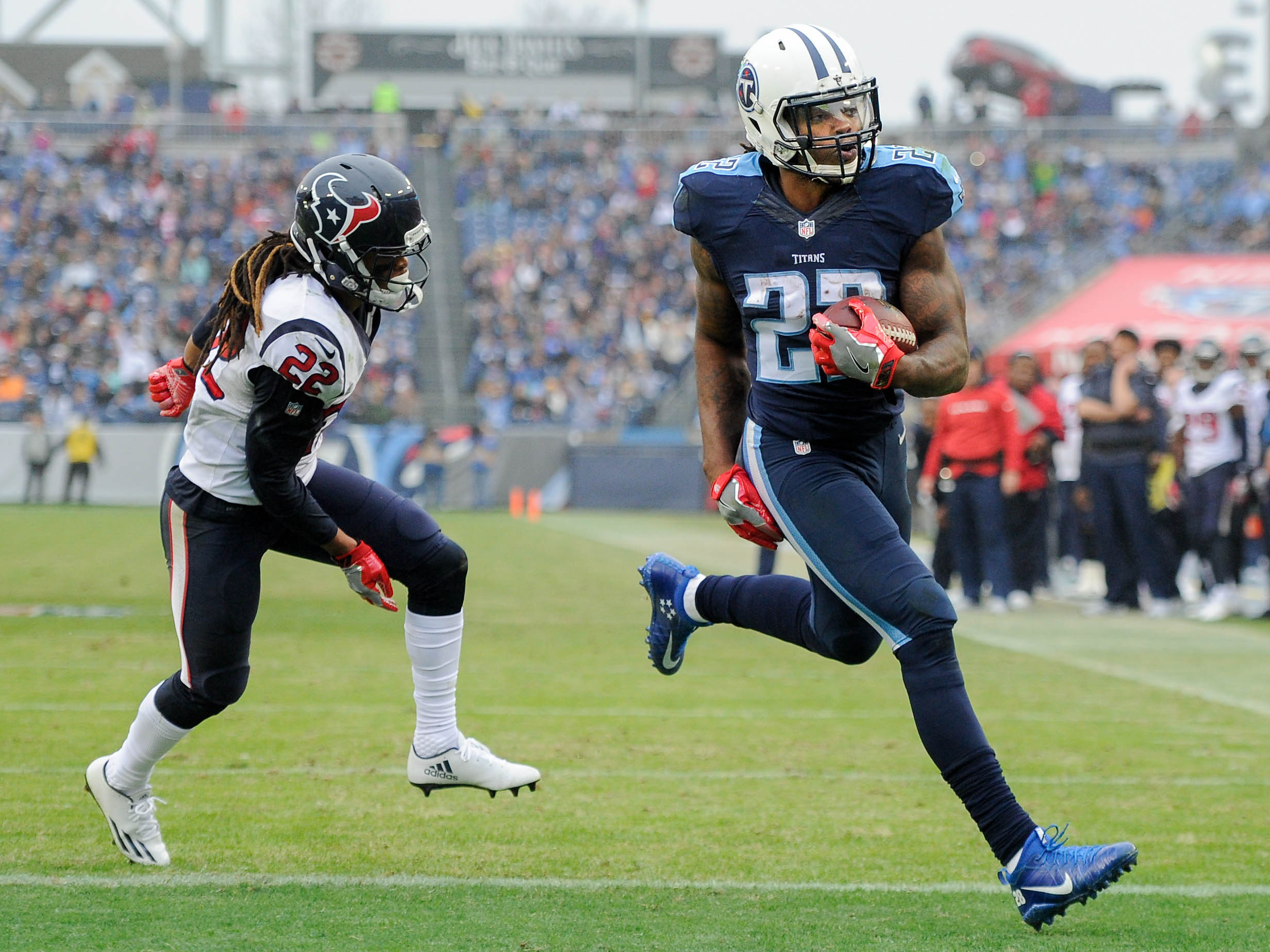 9782534-nfl-houston-texans-at-tennessee-titans