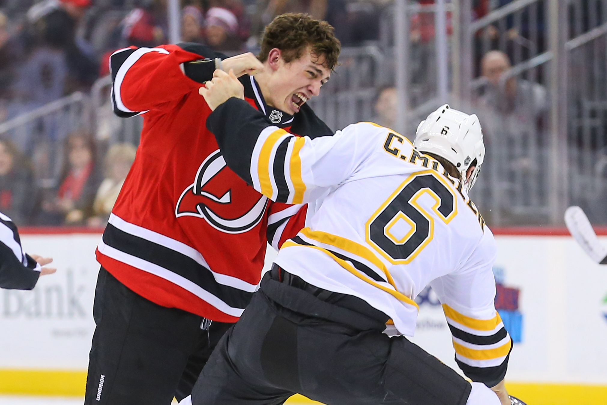9784830-nhl-boston-bruins-at-new-jersey-devils
