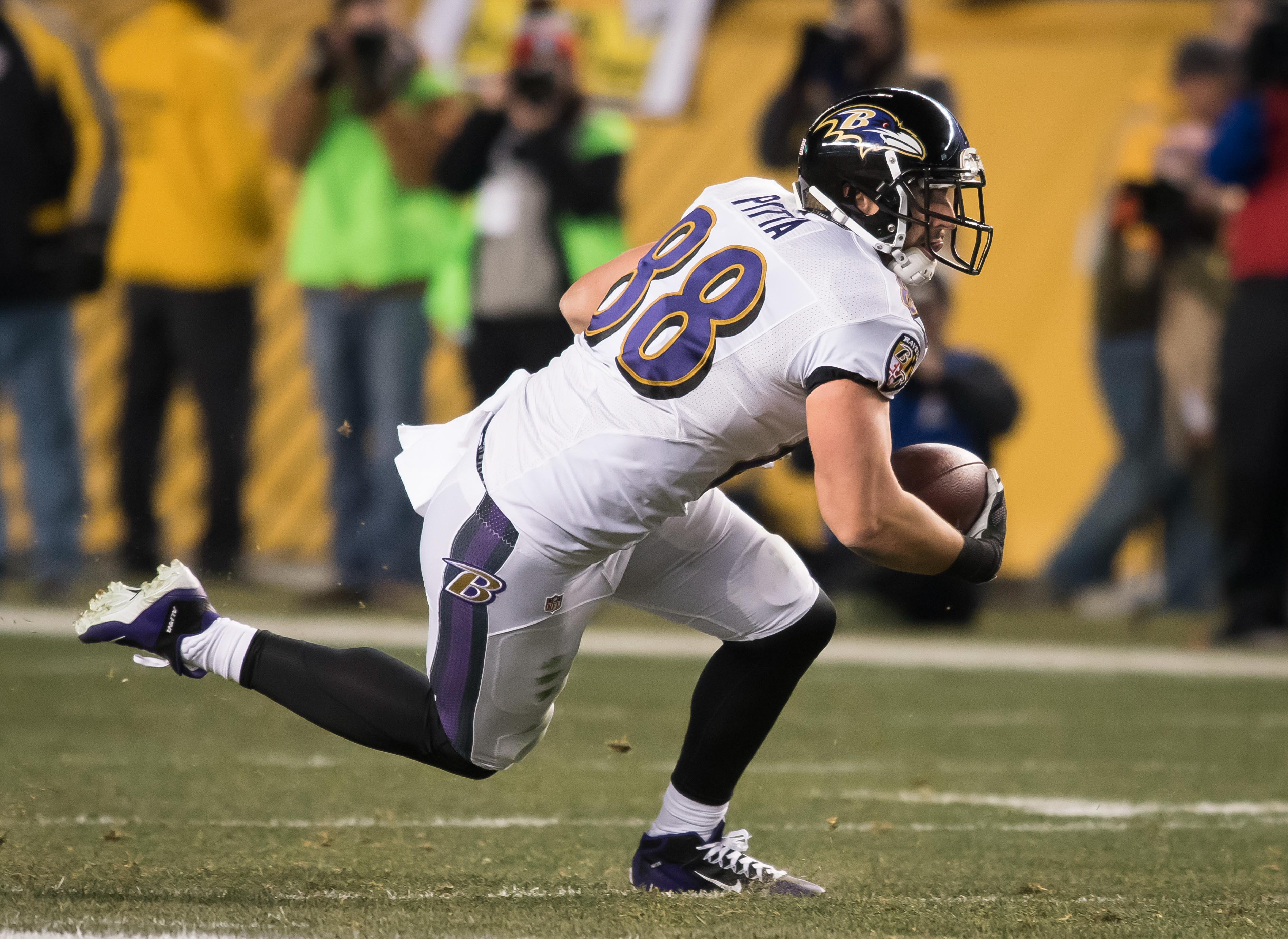 9785760-nfl-baltimore-ravens-at-pittsburgh-steelers-1