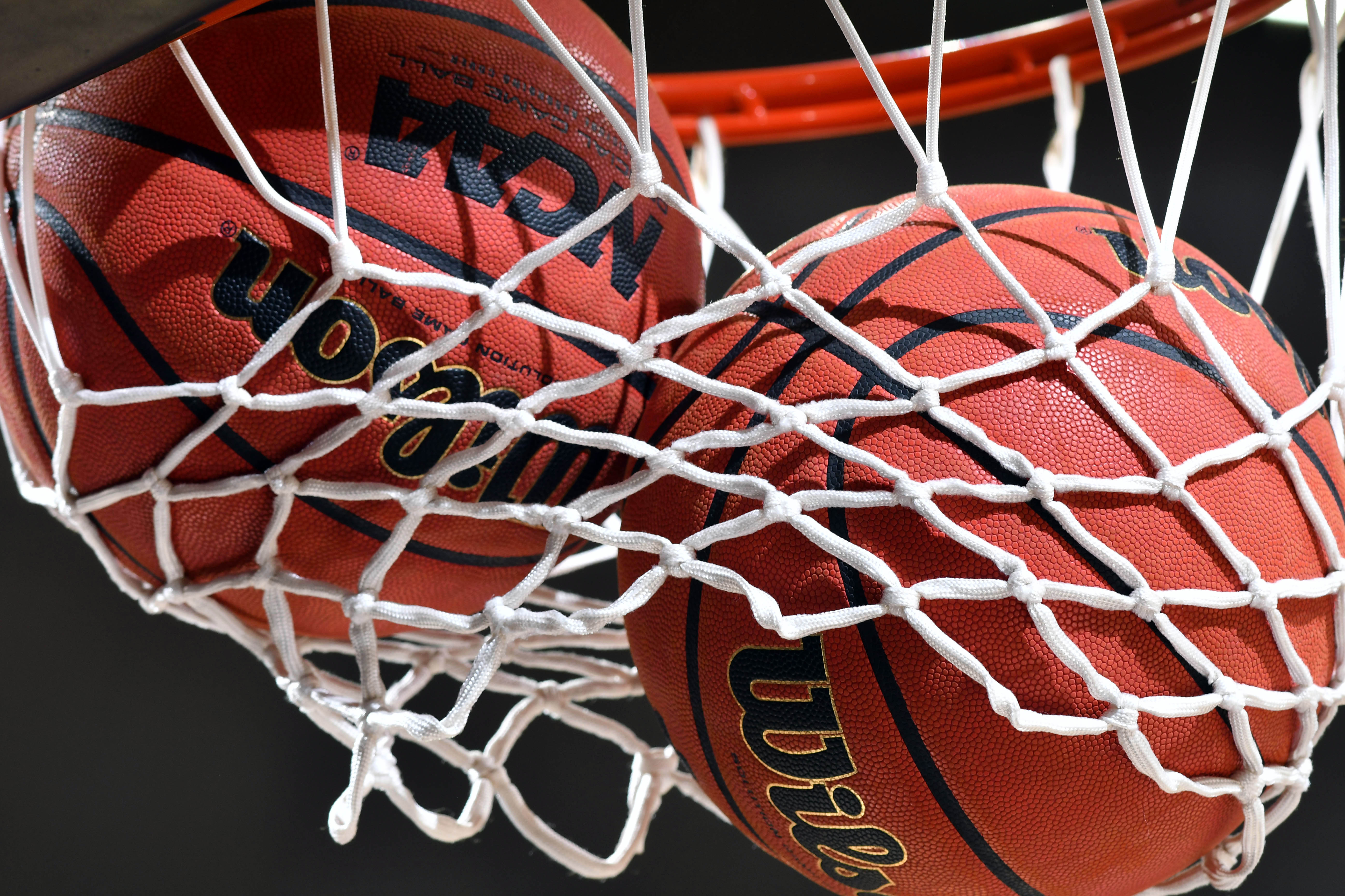 9788946-ncaa-basketball-louisville-at-notre-dame