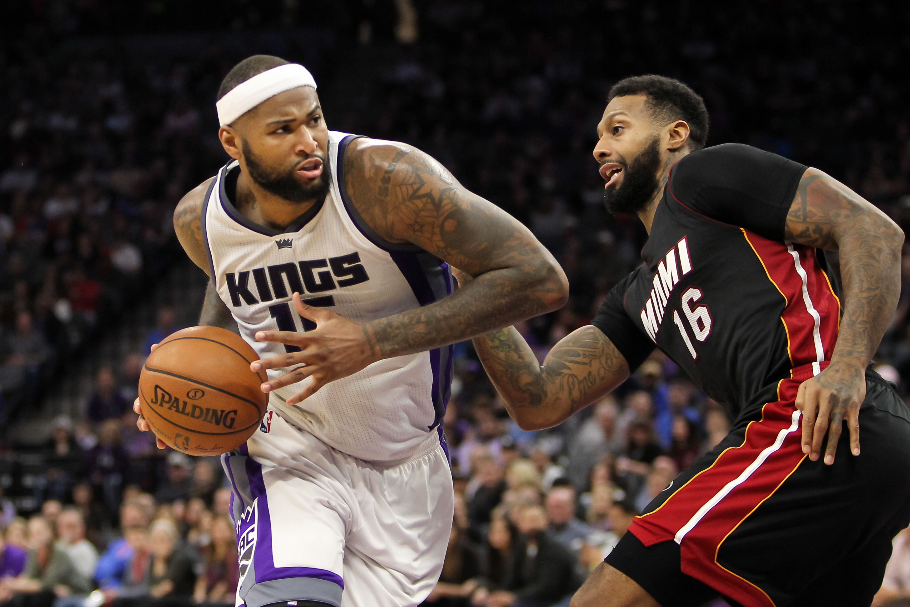 9789194-nba-miami-heat-at-sacramento-kings