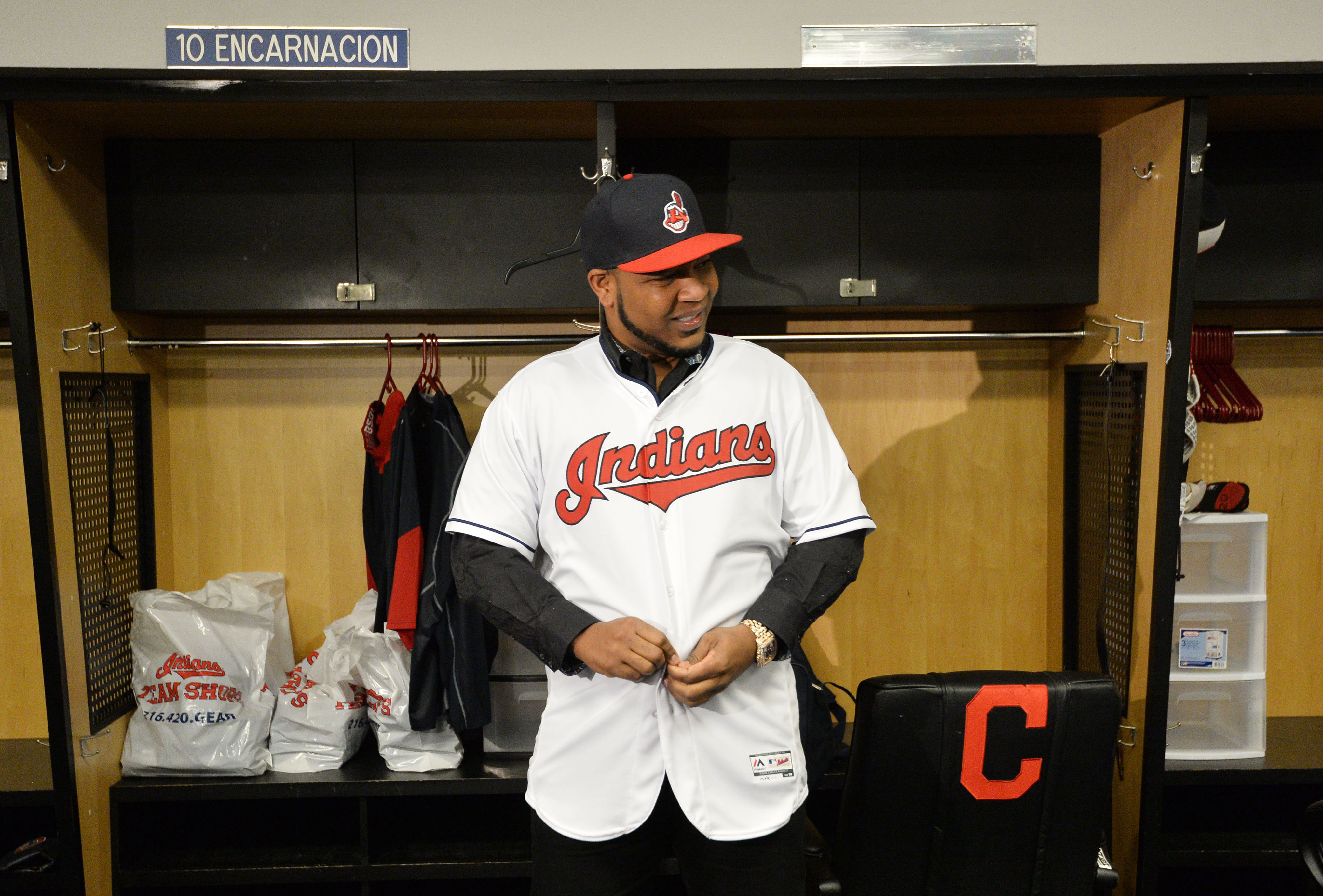 9789857-mlb-cleveland-indians-edwin-encarnacion-press-conference