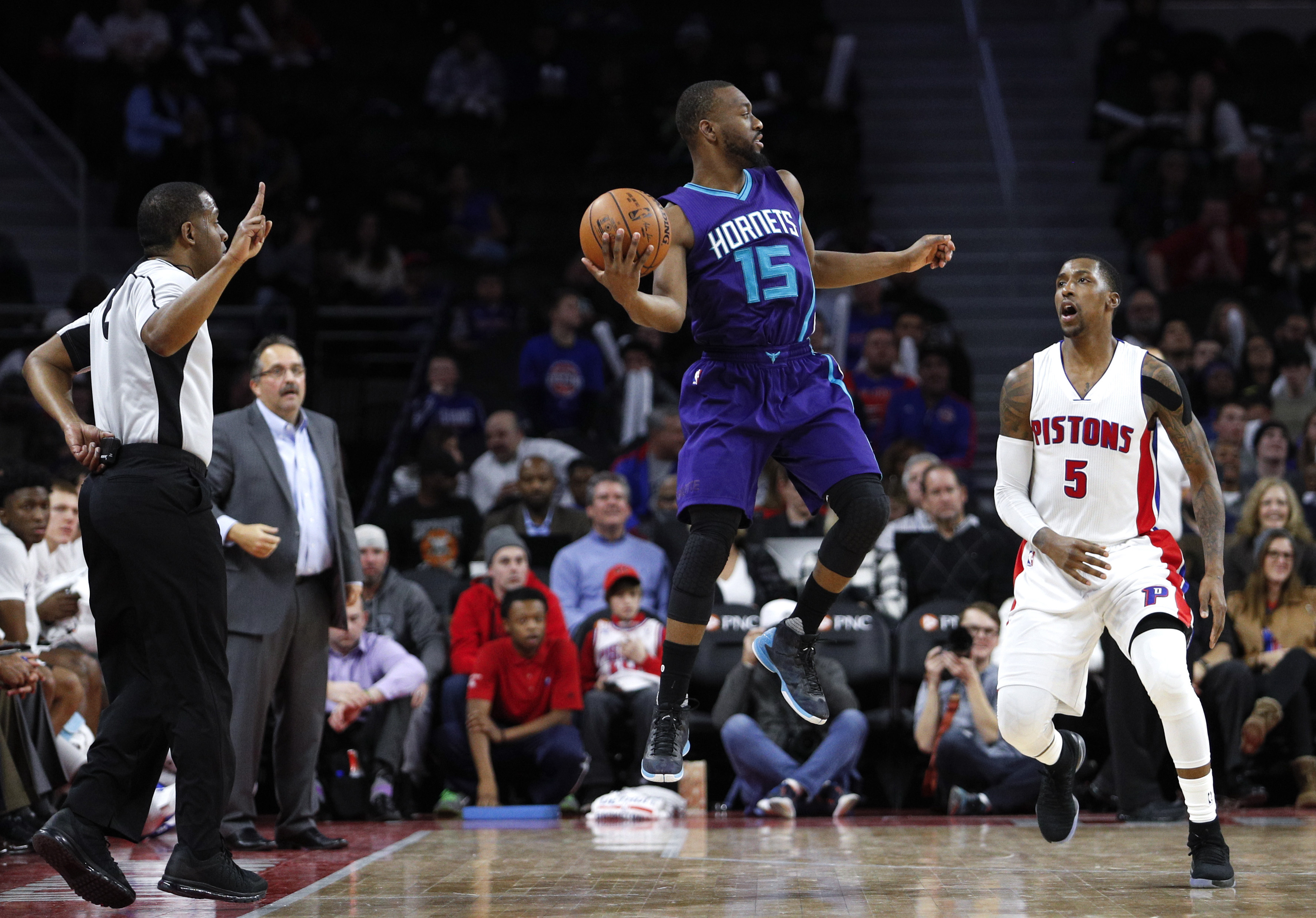 9790703-nba-charlotte-hornets-at-detroit-pistons