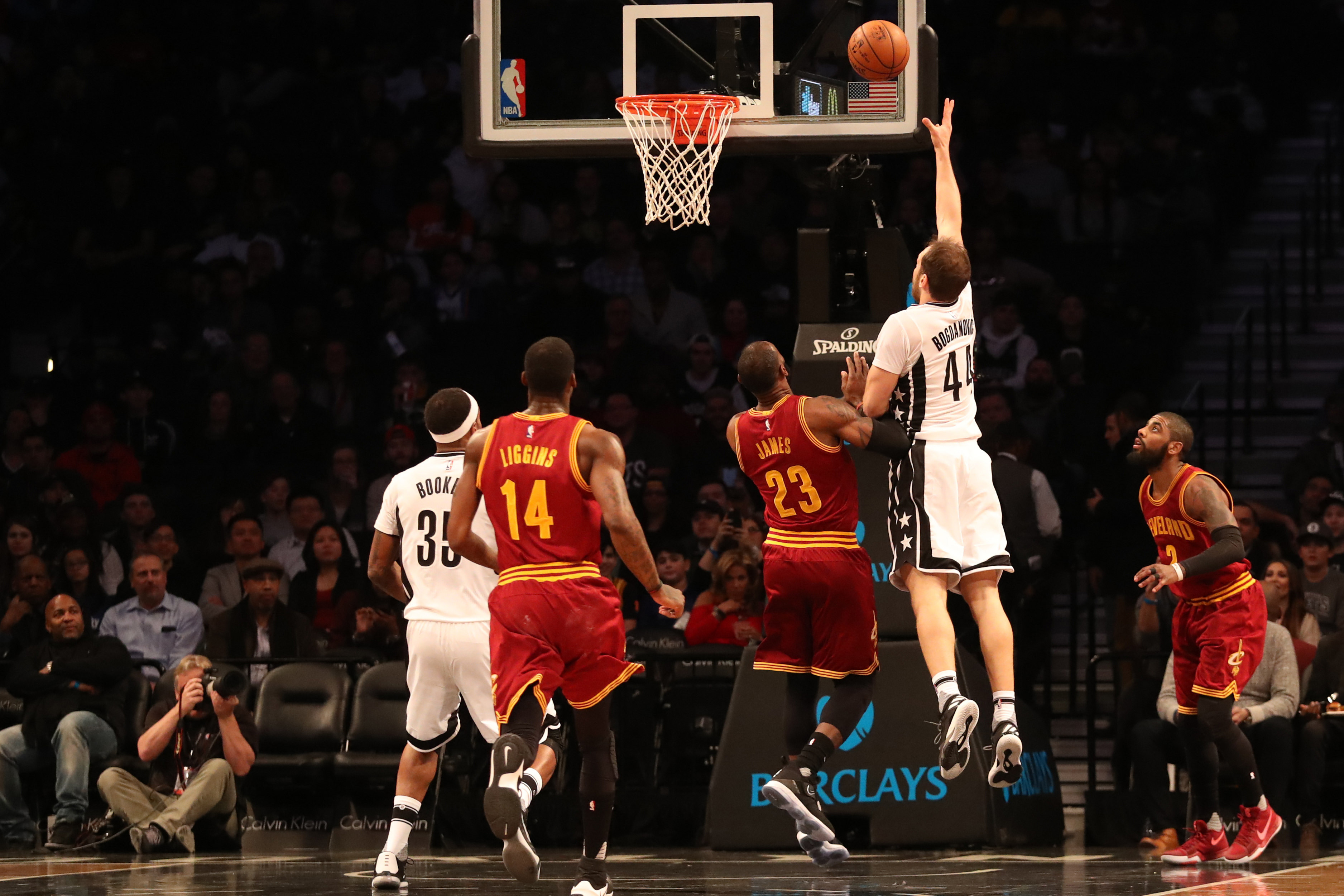 9792909-nba-cleveland-cavaliers-at-brooklyn-nets