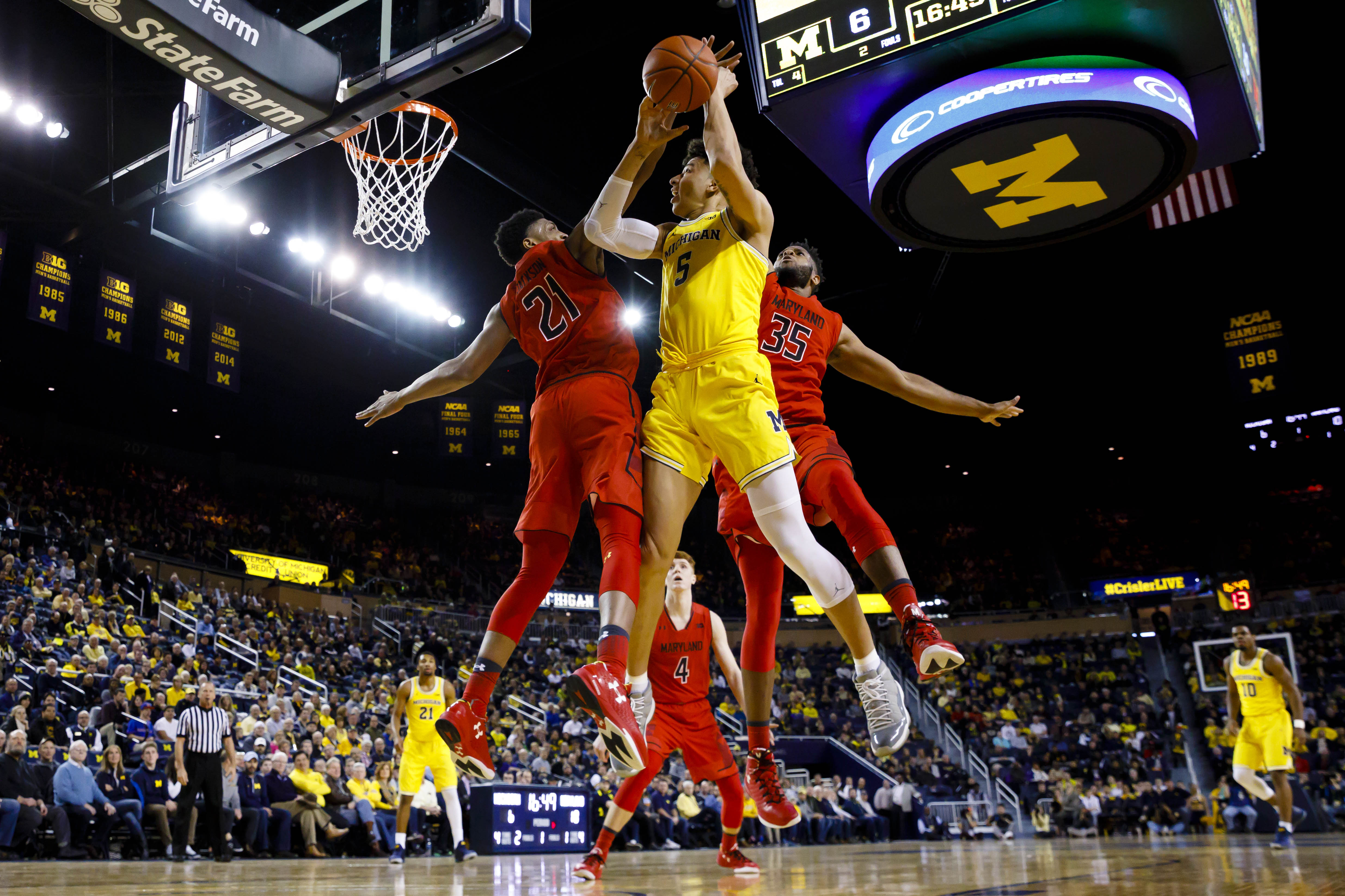 9794244-ncaa-basketball-maryland-at-michigan