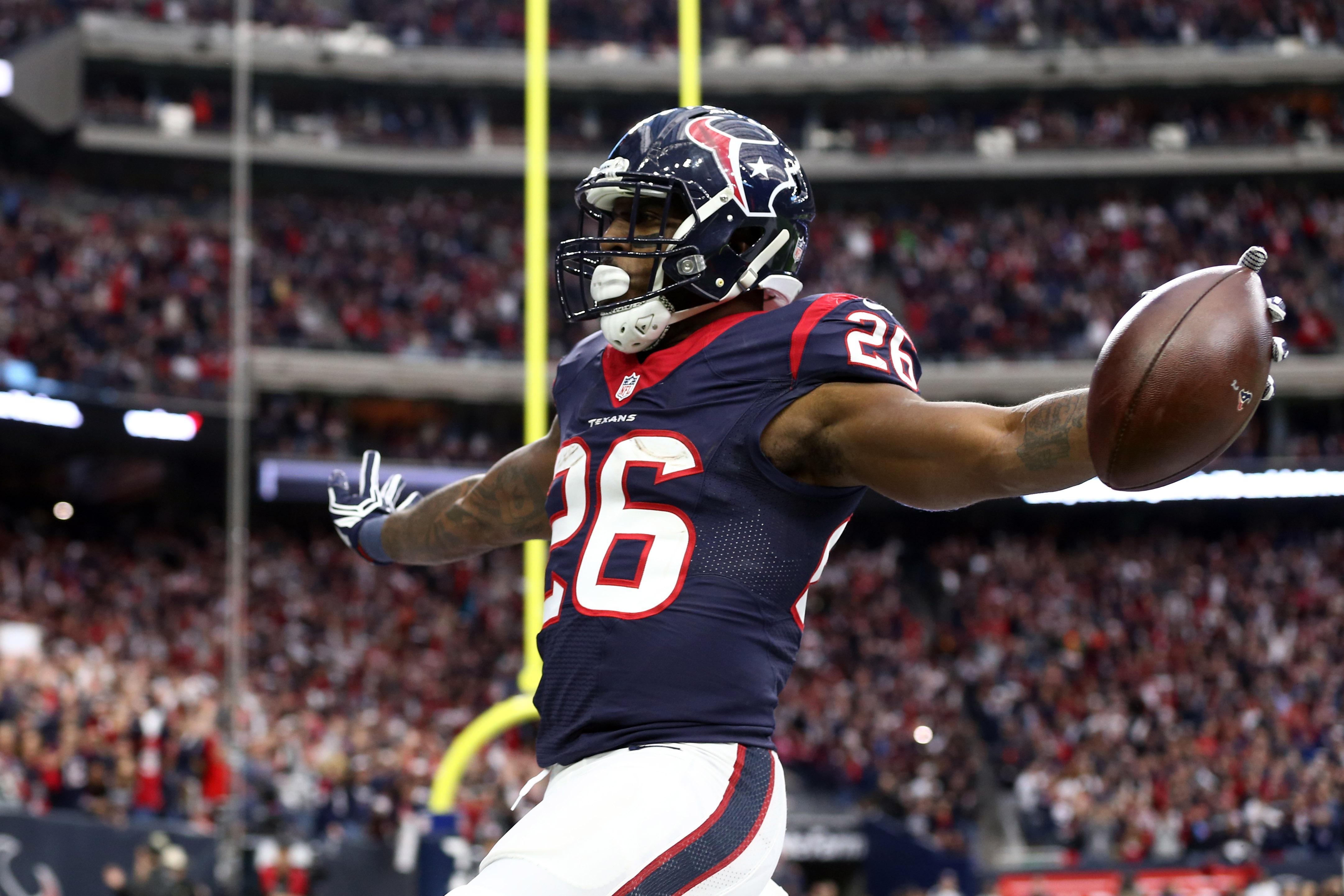 9794473-nfl-afc-wild-card-oakland-raiders-at-houston-texans