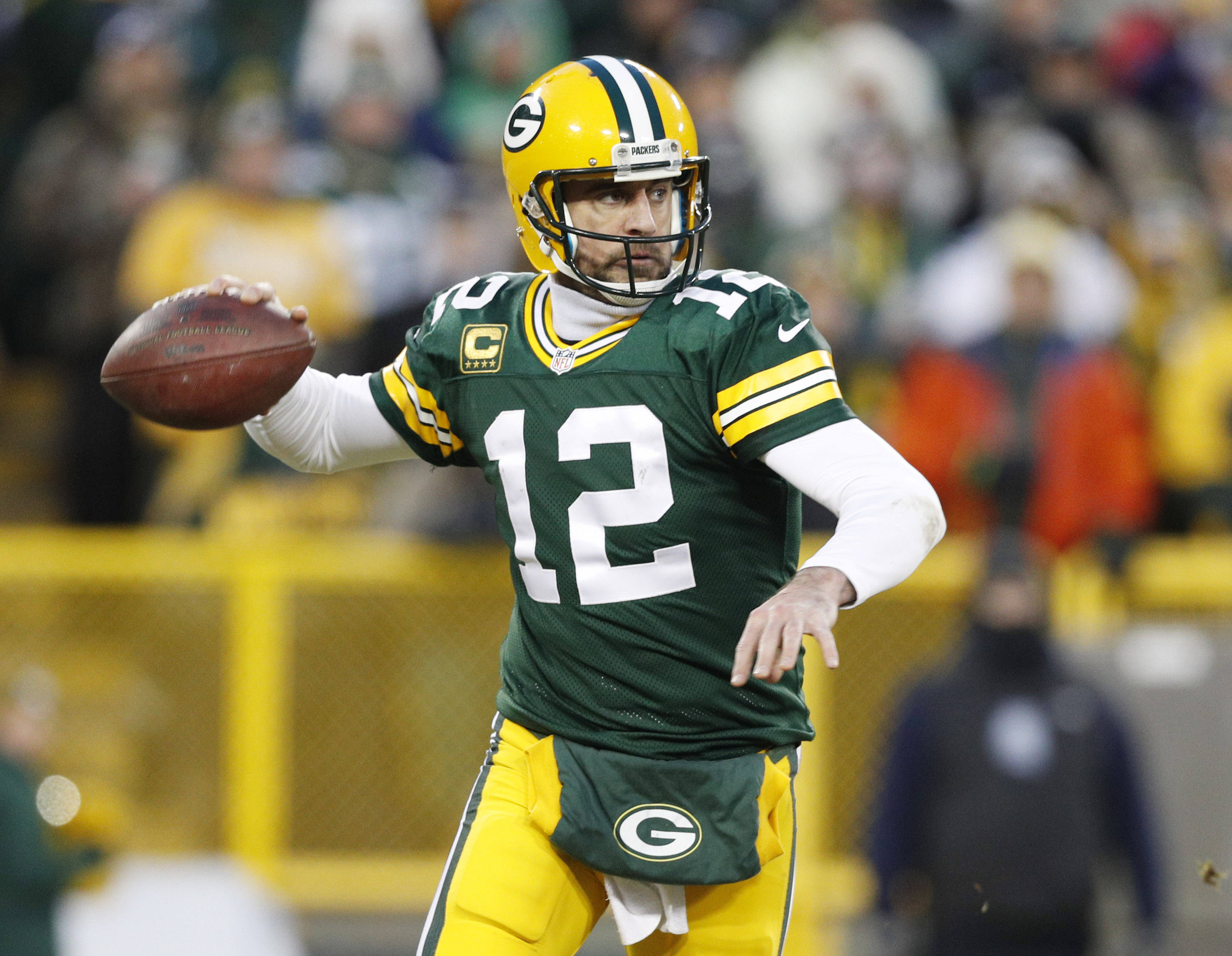 9797987-nfl-nfc-wild-card-new-york-giants-at-green-bay-packers