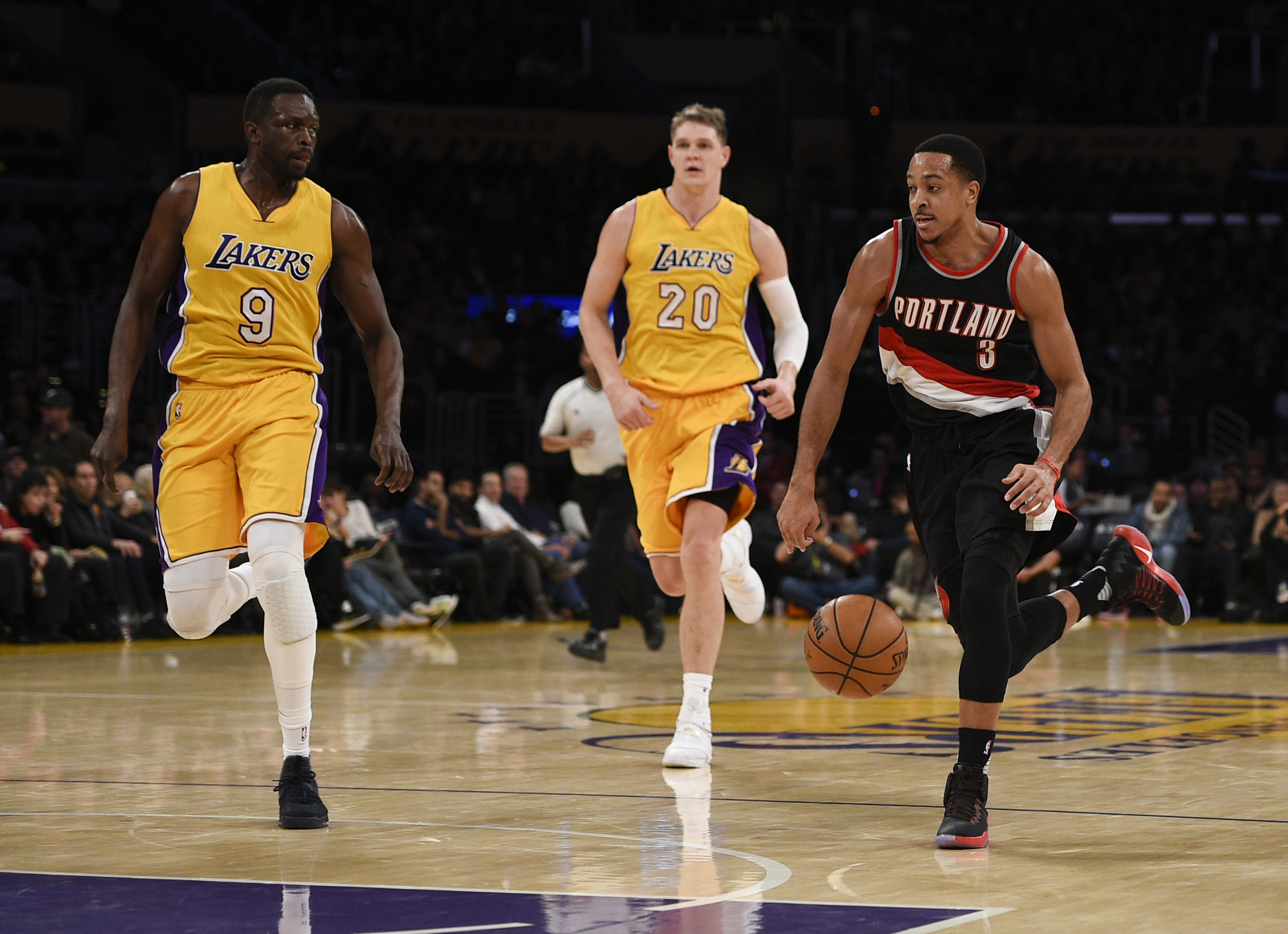 9803212-nba-portland-trail-blazers-at-los-angeles-lakers