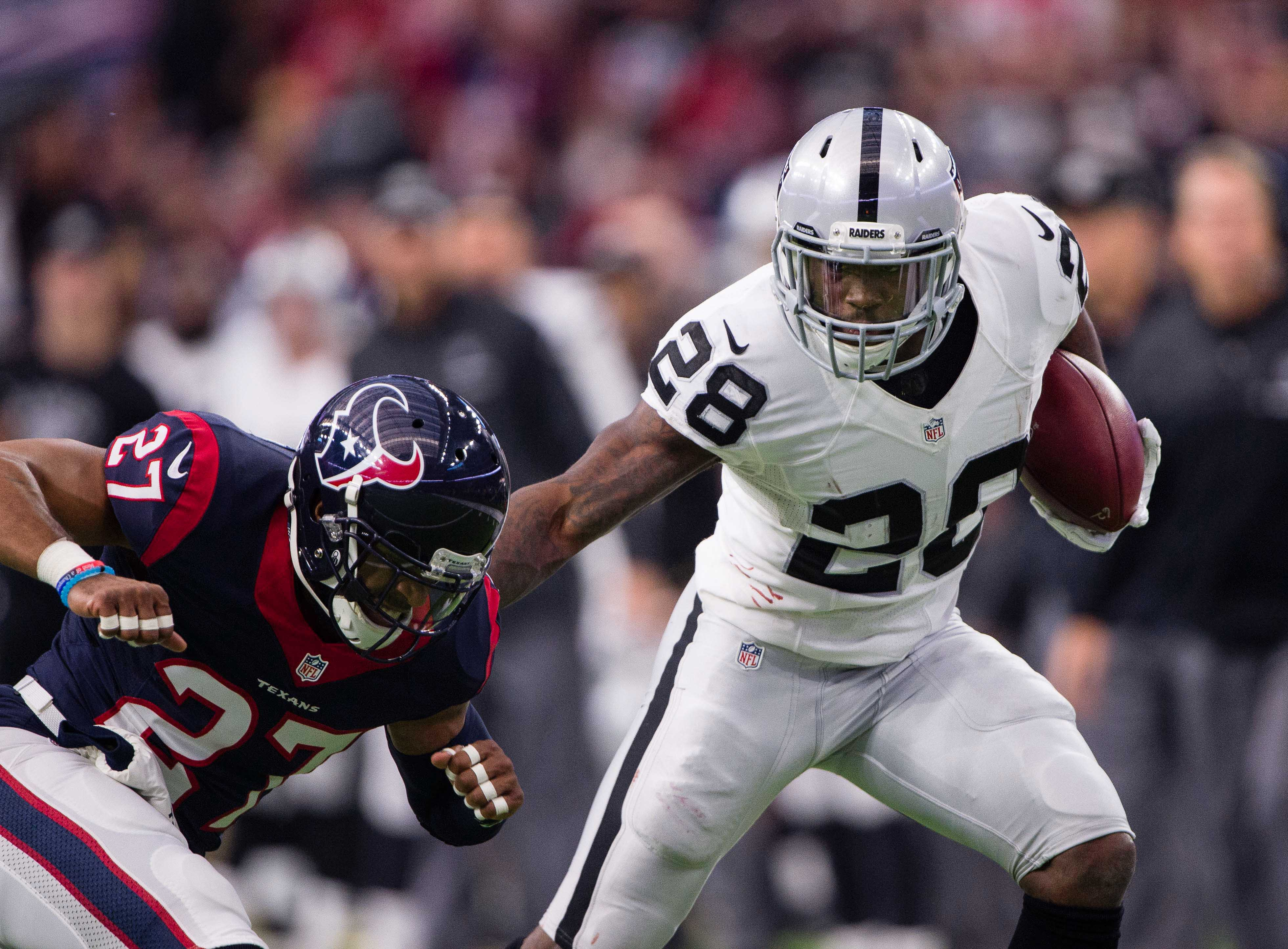9805207-nfl-afc-wild-card-oakland-raiders-at-houston-texans