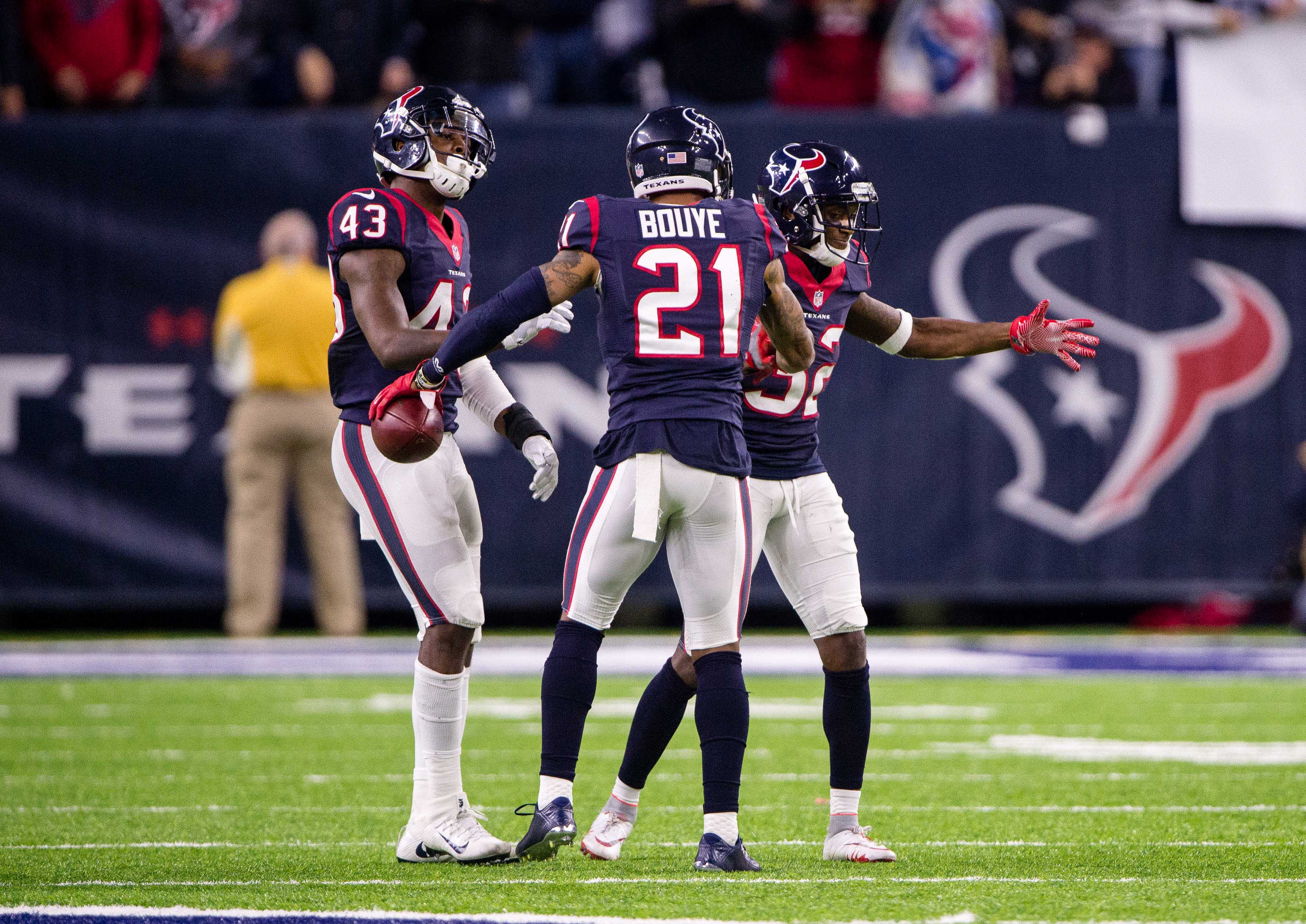 9805528-nfl-afc-wild-card-oakland-raiders-at-houston-texans