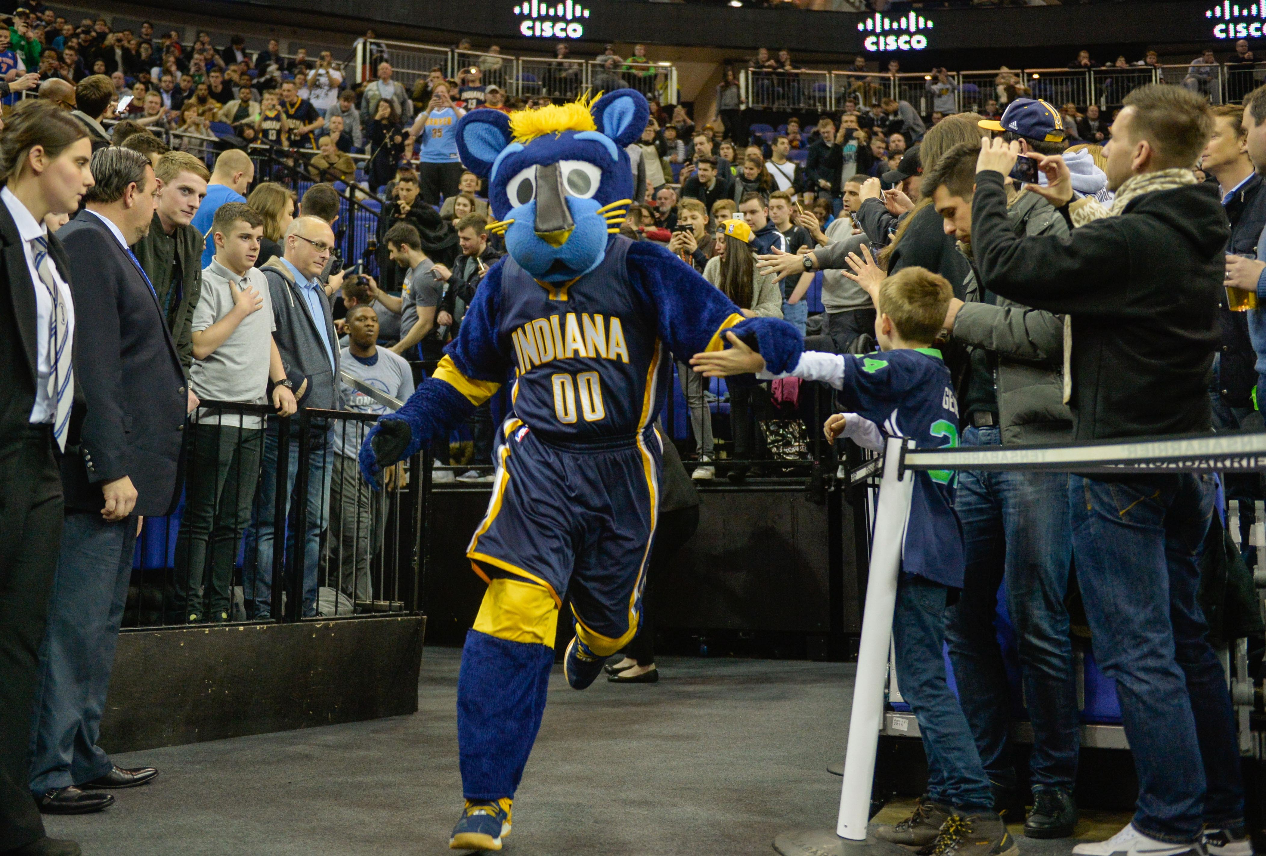 9806178-nba-indiana-pacers-at-denver-nuggets