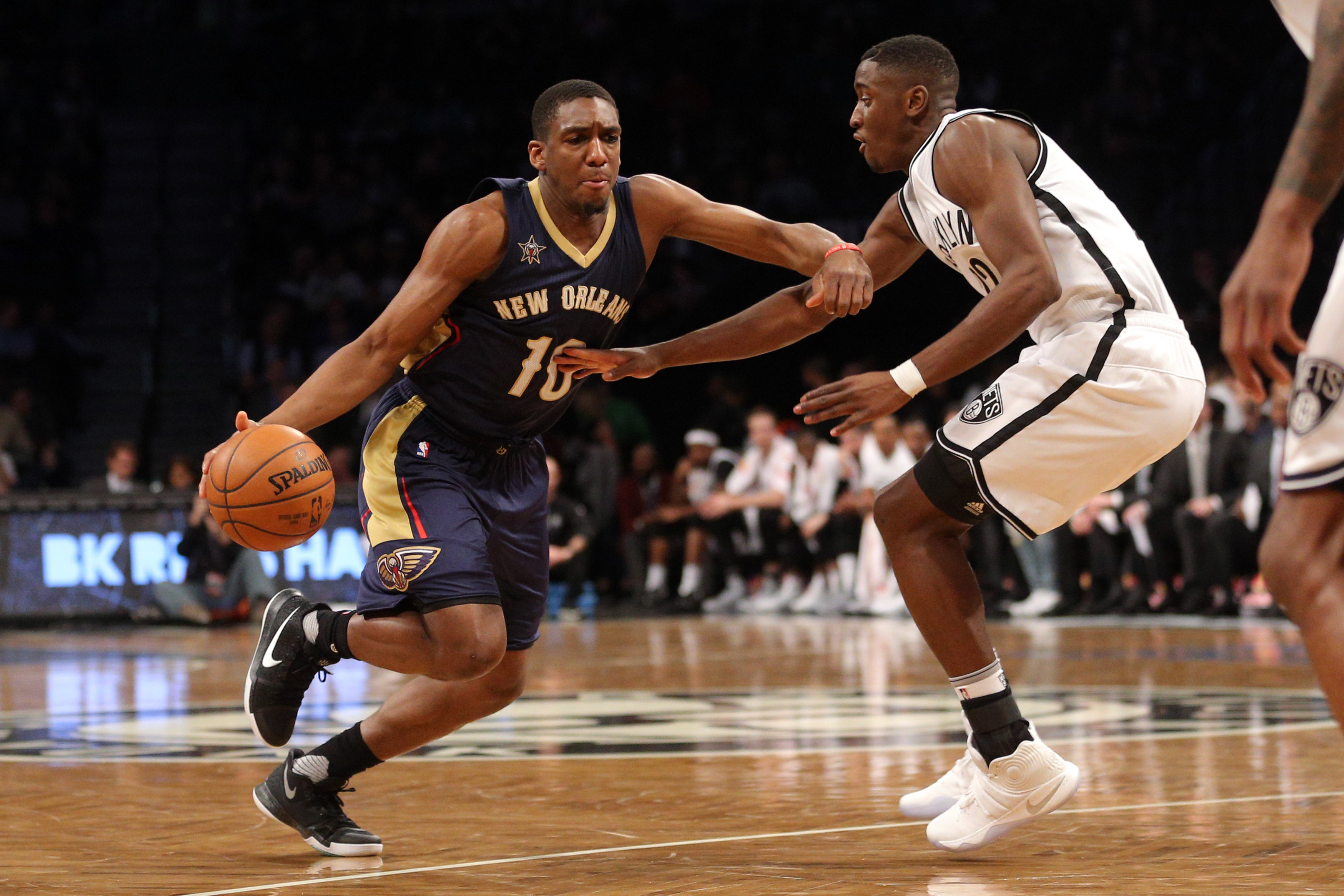 9806339-nba-new-orleans-pelicans-at-brooklyn-nets