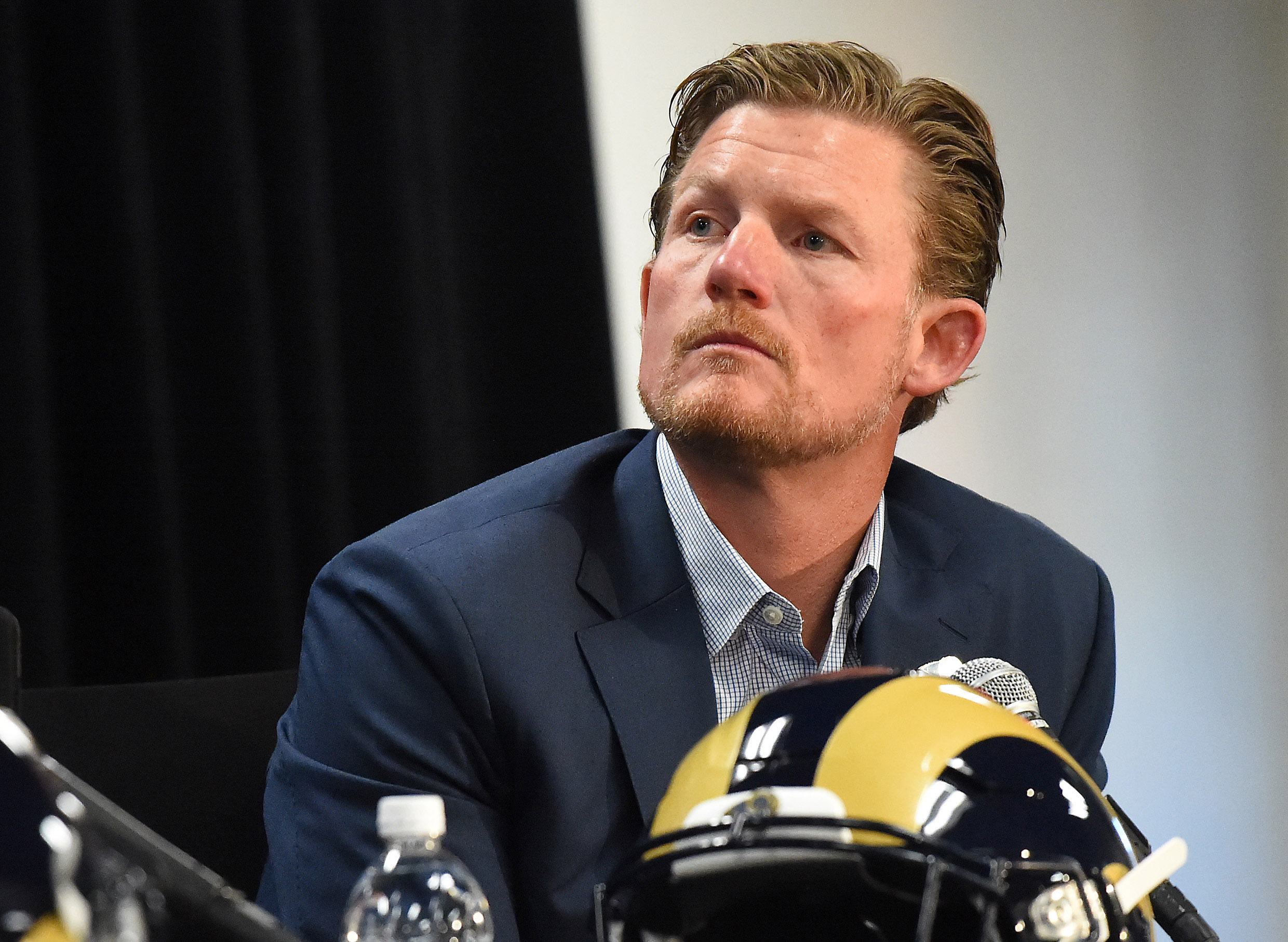 9807817-nfl-los-angeles-rams-sean-mcvay-press-conference