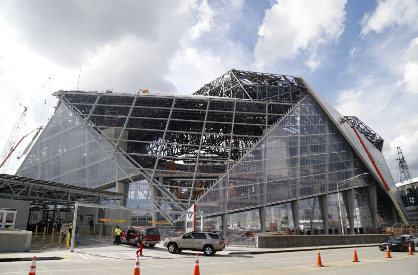 Alabama football flashy new video of atlanta 39 s mercedes for Mercedes benz georgia dome