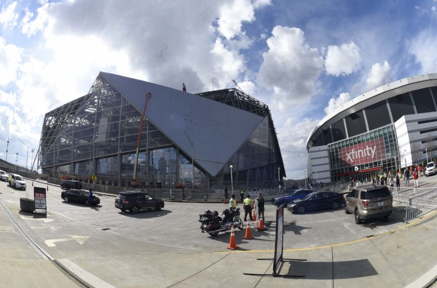 2017 nfl schedule atlanta falcons open new stadium on for Mercedes benz dome