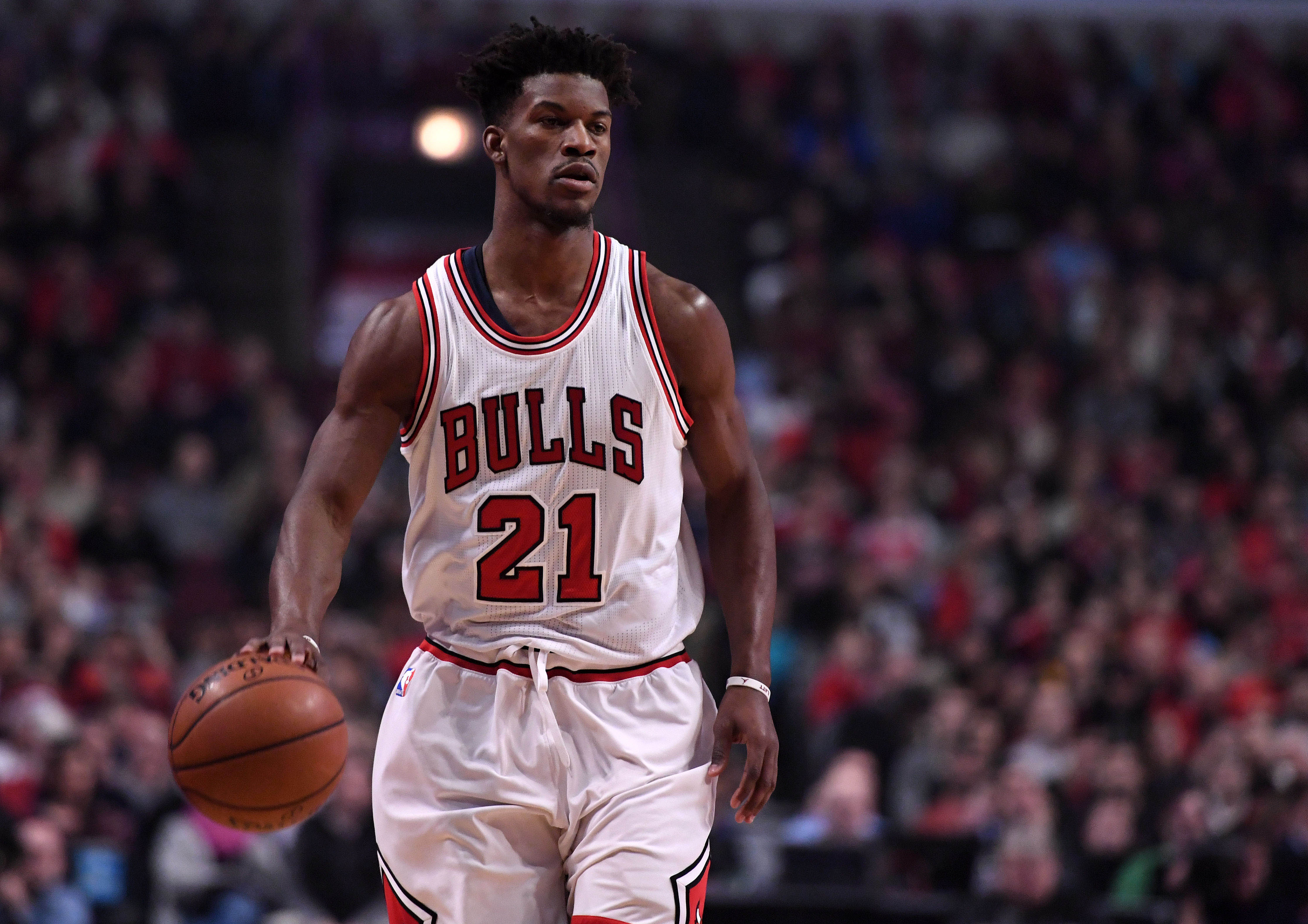 9809943-nba-new-orleans-pelicans-at-chicago-bulls-2