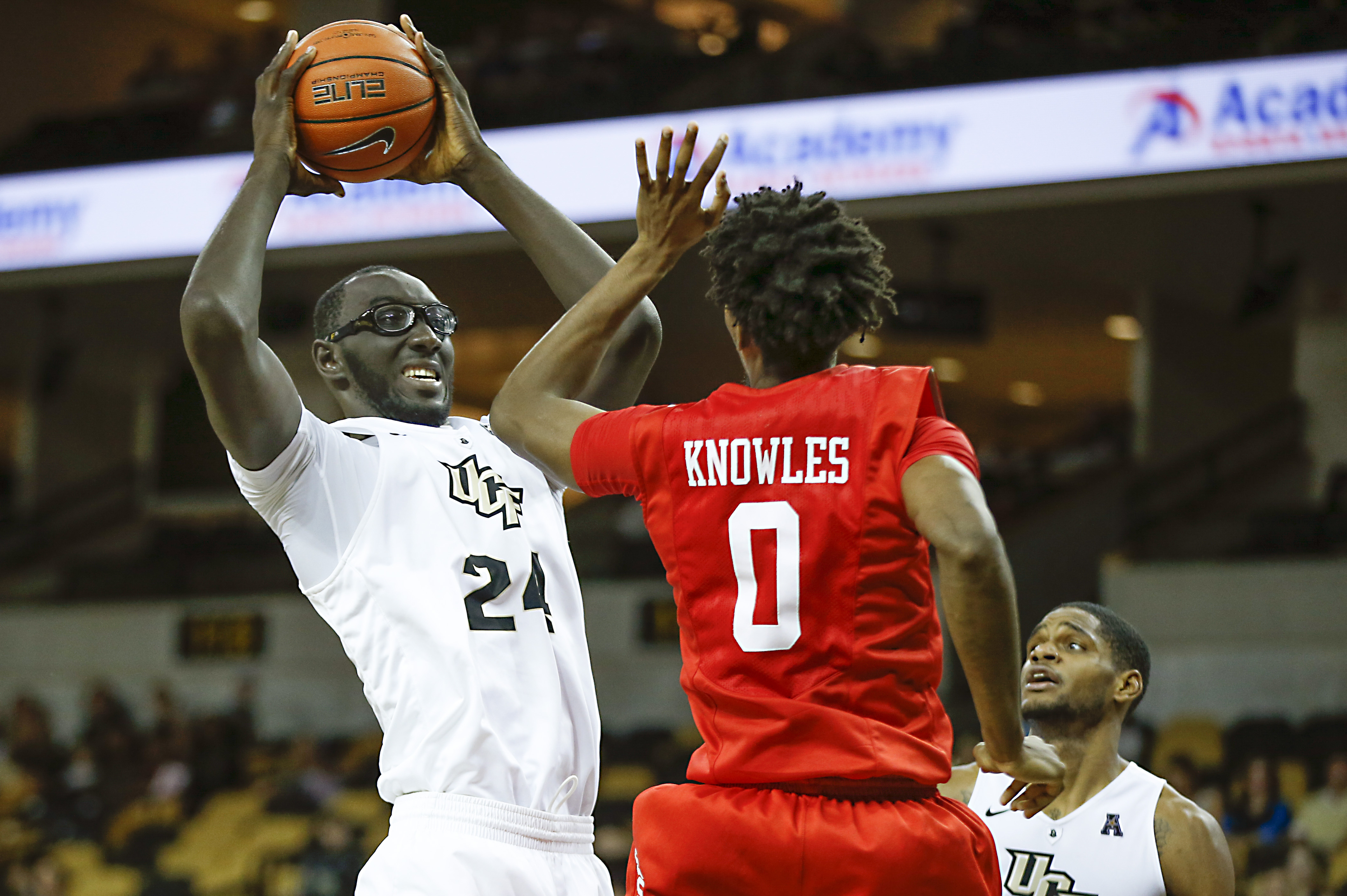 UCF Basketball: Tacko Fall returning for junior season