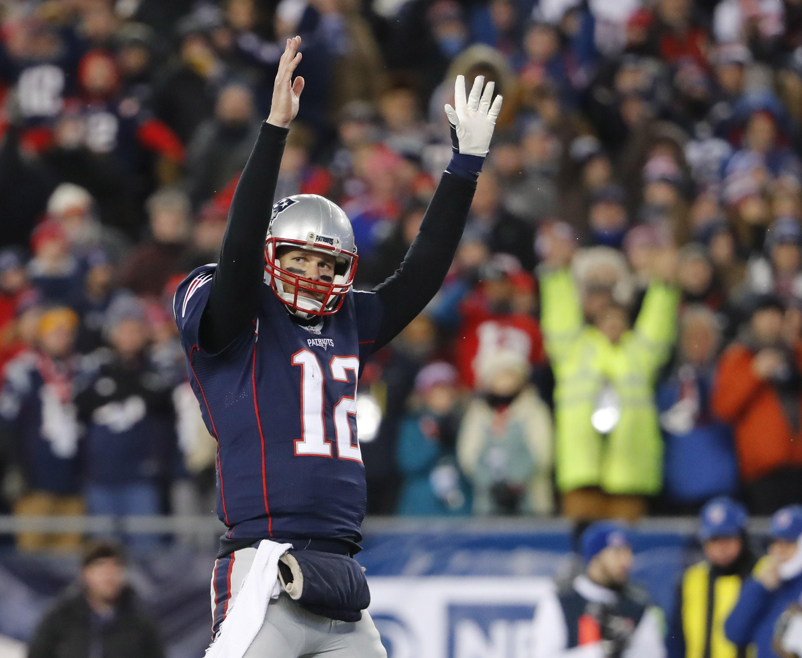 9811283-nfl-afc-divisional-houston-texans-at-new-england-patriots