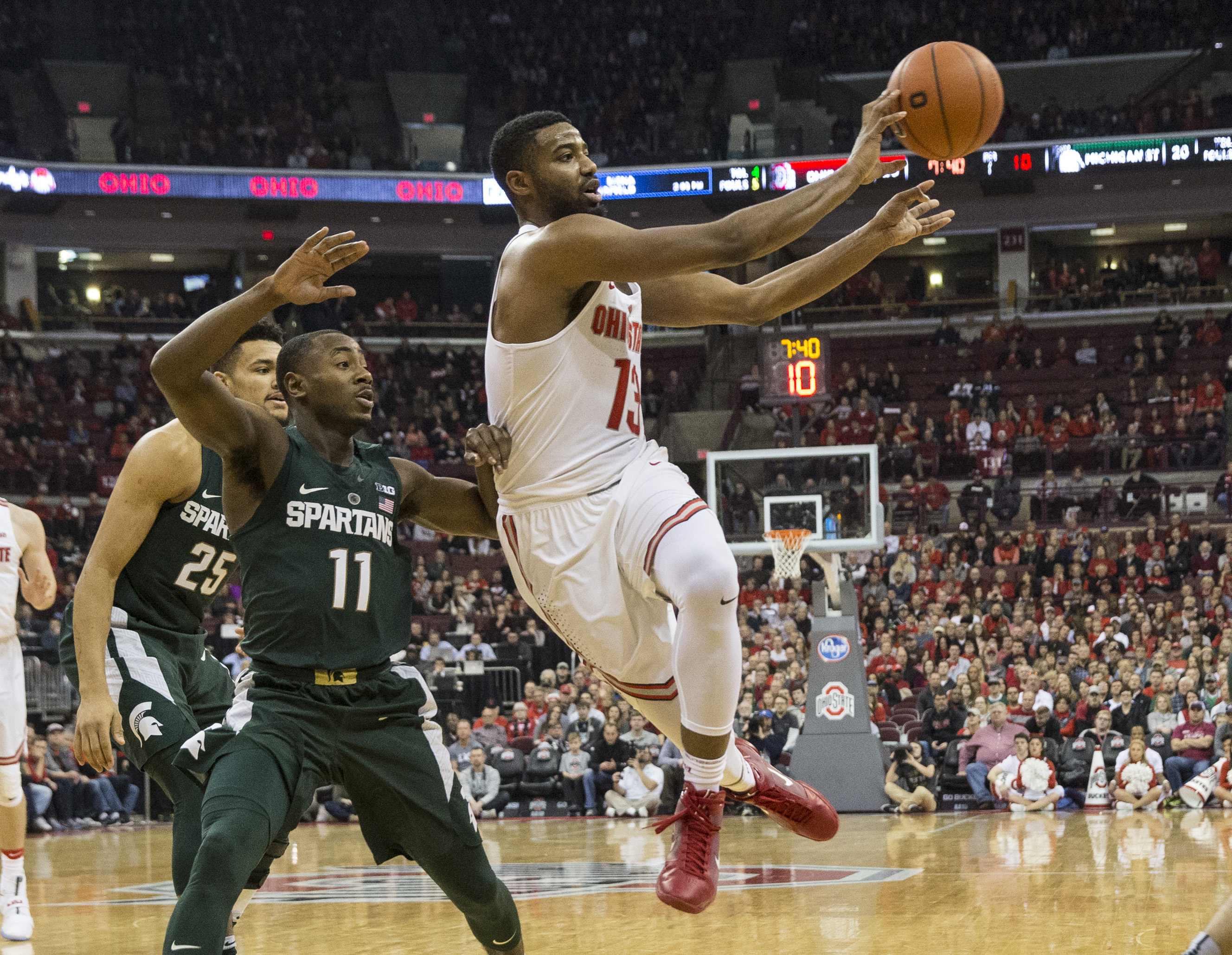9811841-ncaa-basketball-michigan-state-at-ohio-state