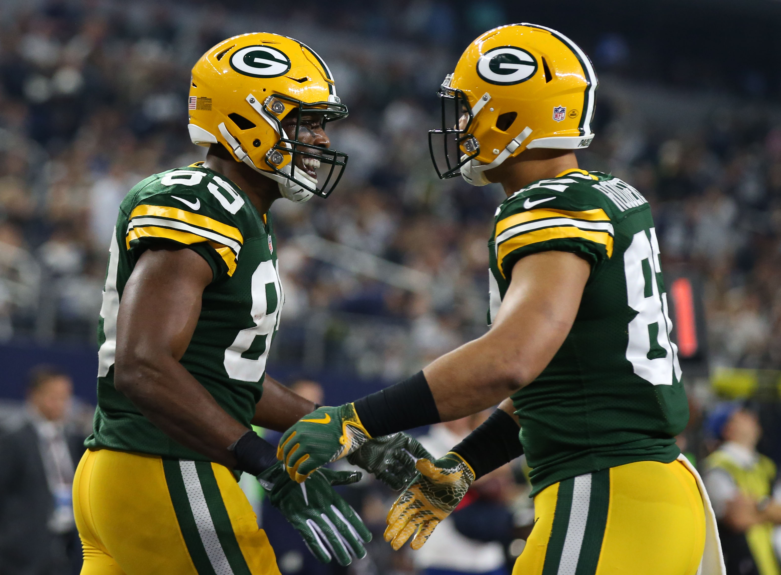 9812207-nfl-nfc-divisional-green-bay-packers-at-dallas-cowboys