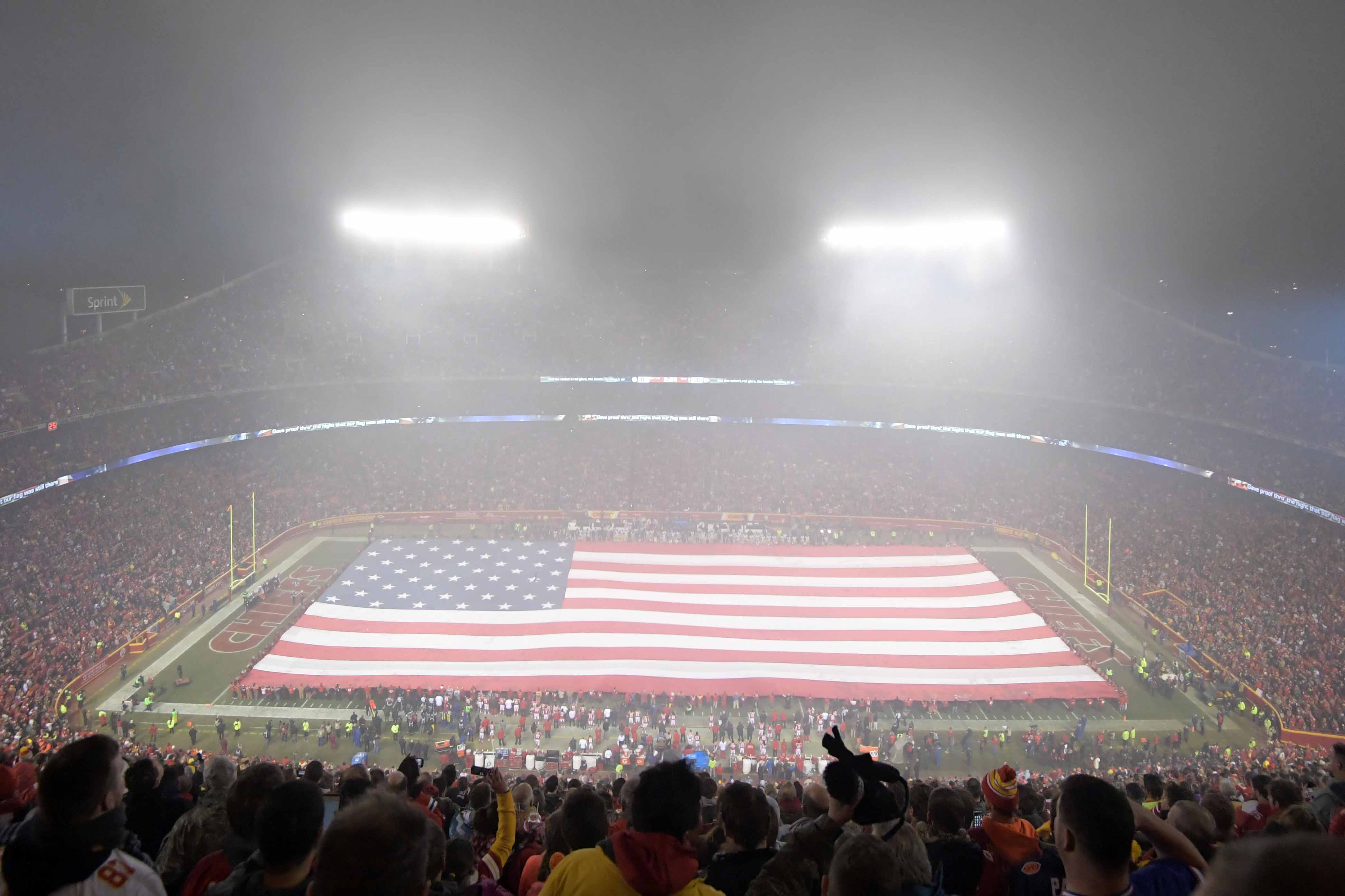 9812728-nfl-afc-divisional-pittsburgh-steelers-at-kansas-city-chiefs