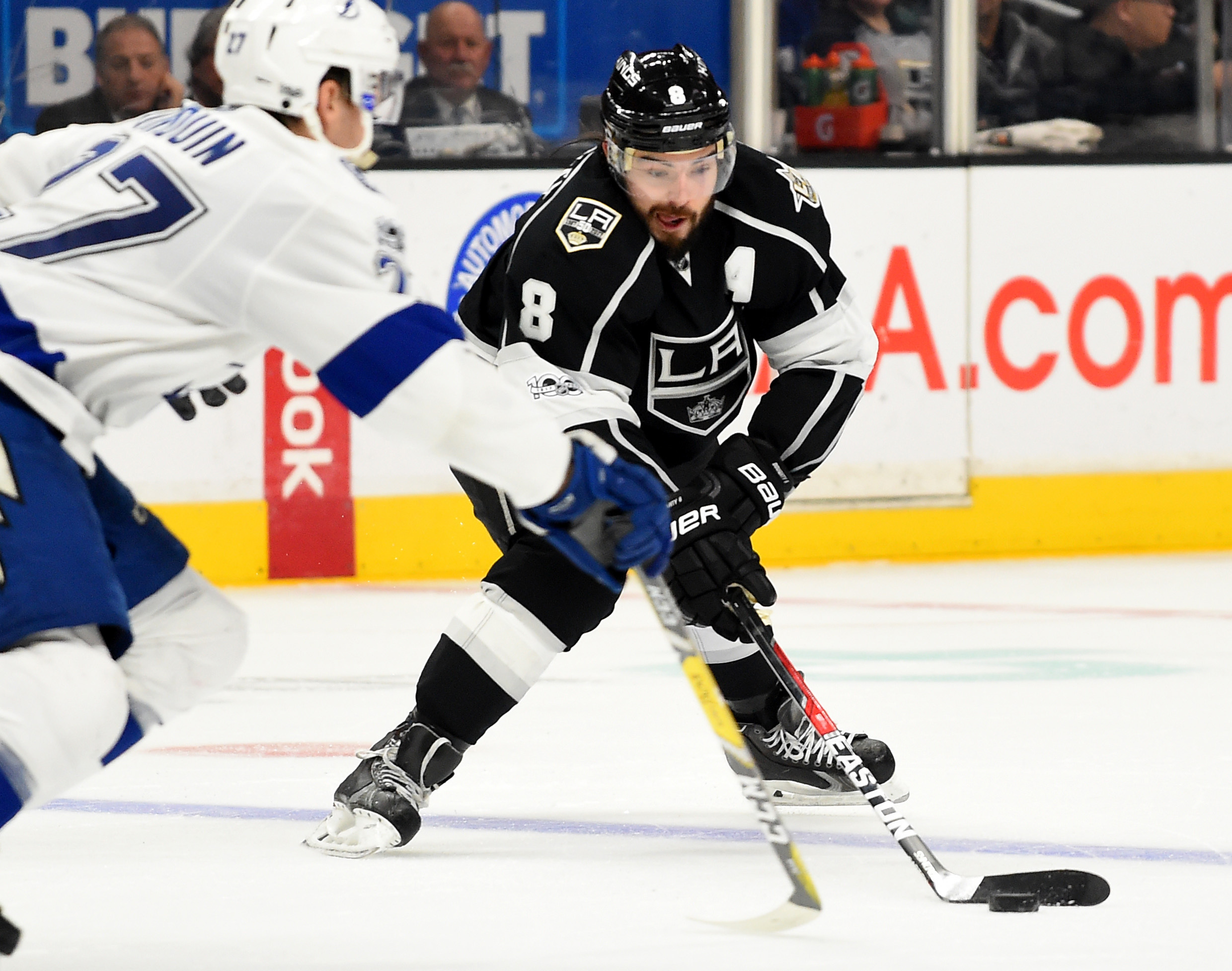 9813961-nhl-tampa-bay-lightning-at-los-angeles-kings