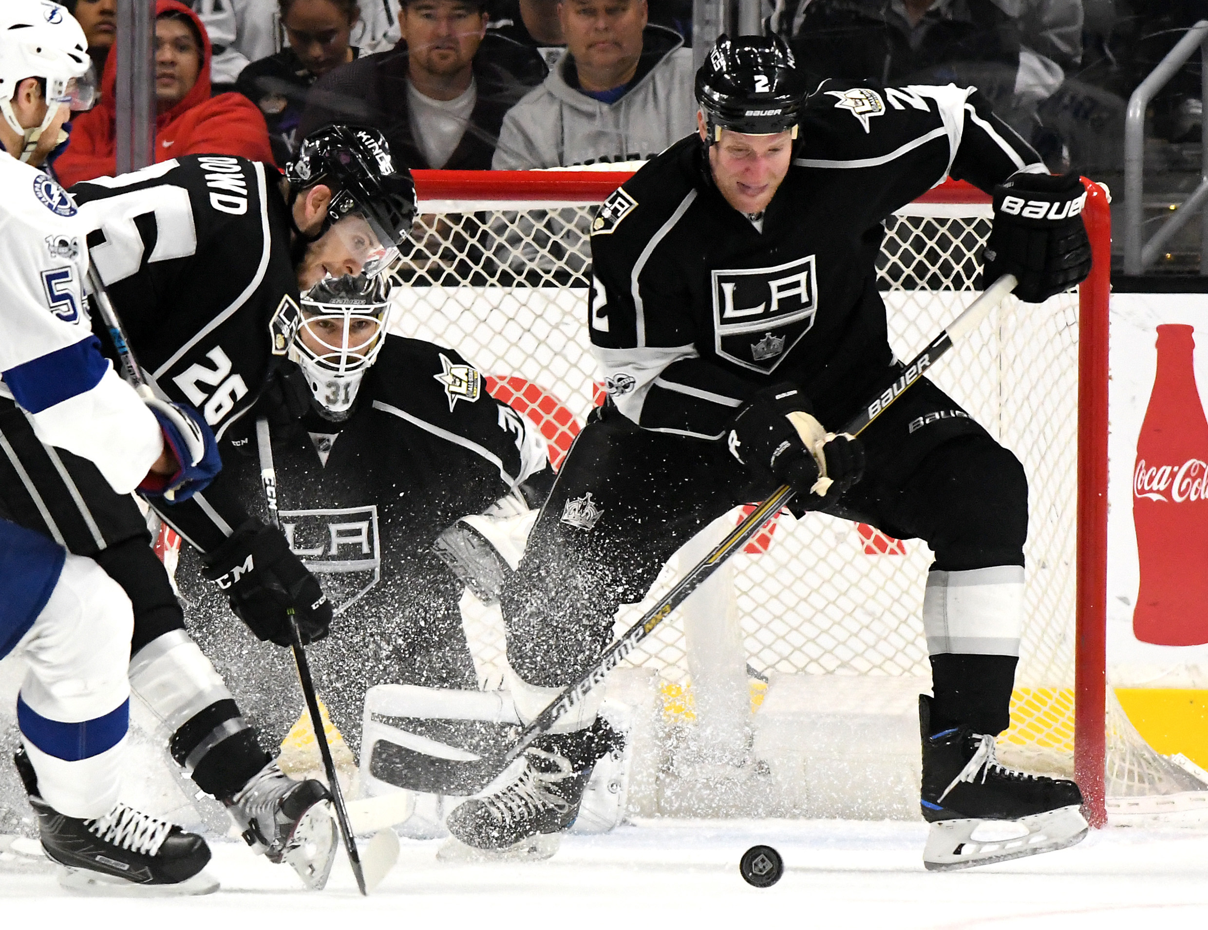 9813990-nhl-tampa-bay-lightning-at-los-angeles-kings