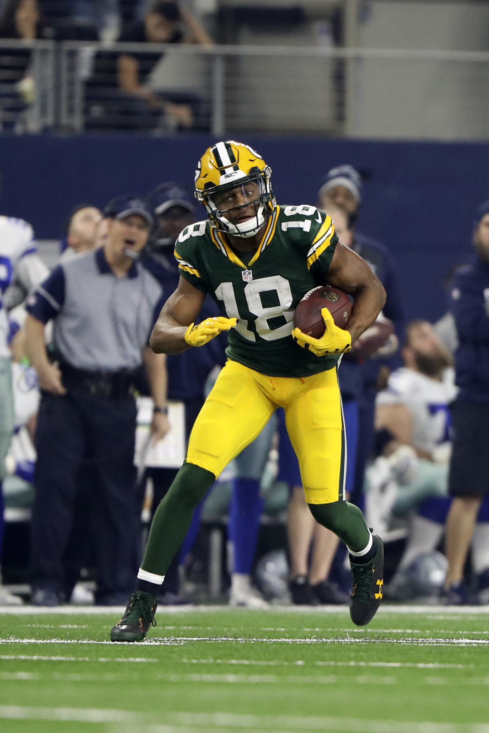 9814424-nfl-nfc-divisional-green-bay-packers-at-dallas-cowboys