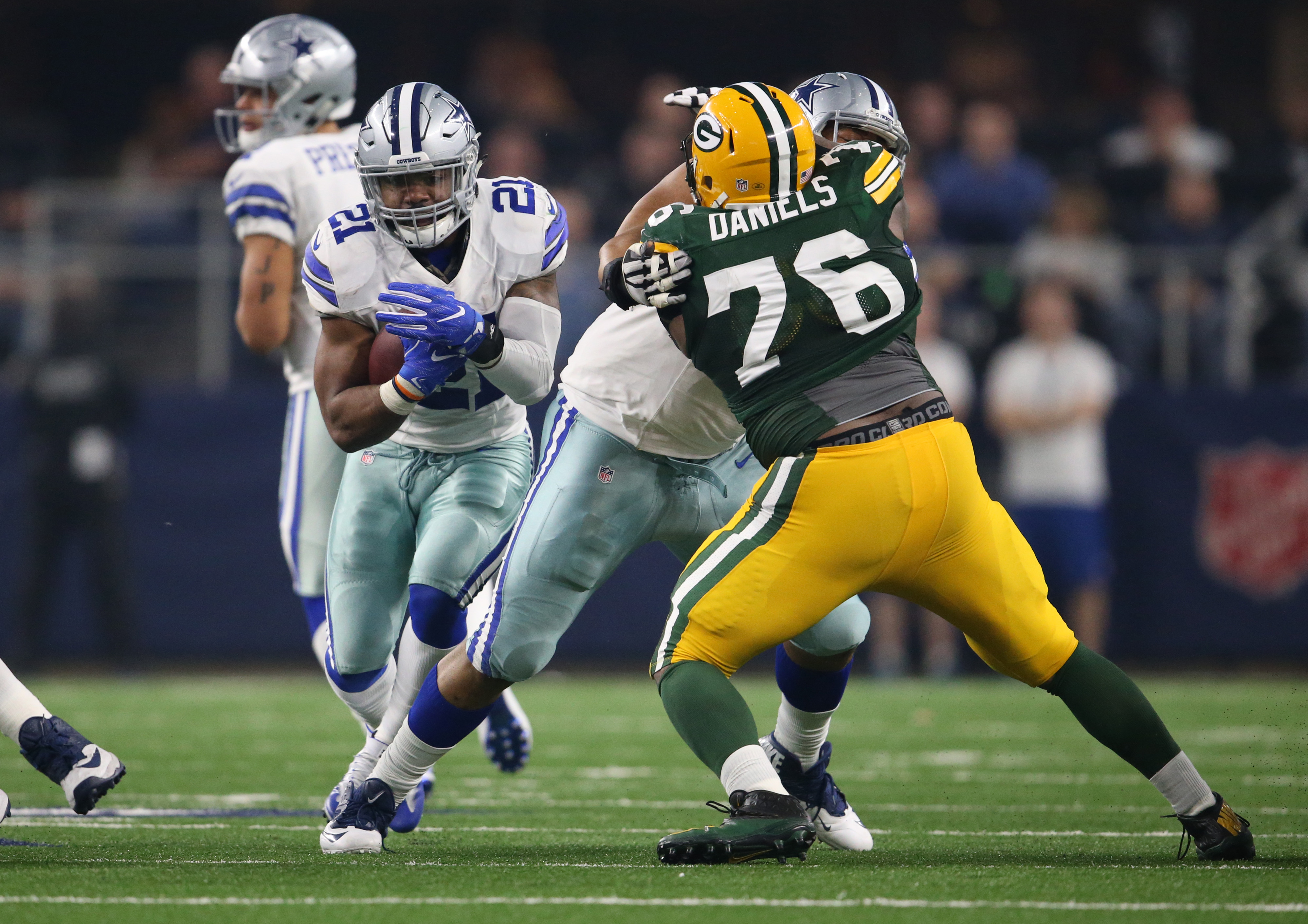 9814800-nfl-nfc-divisional-green-bay-packers-at-dallas-cowboys