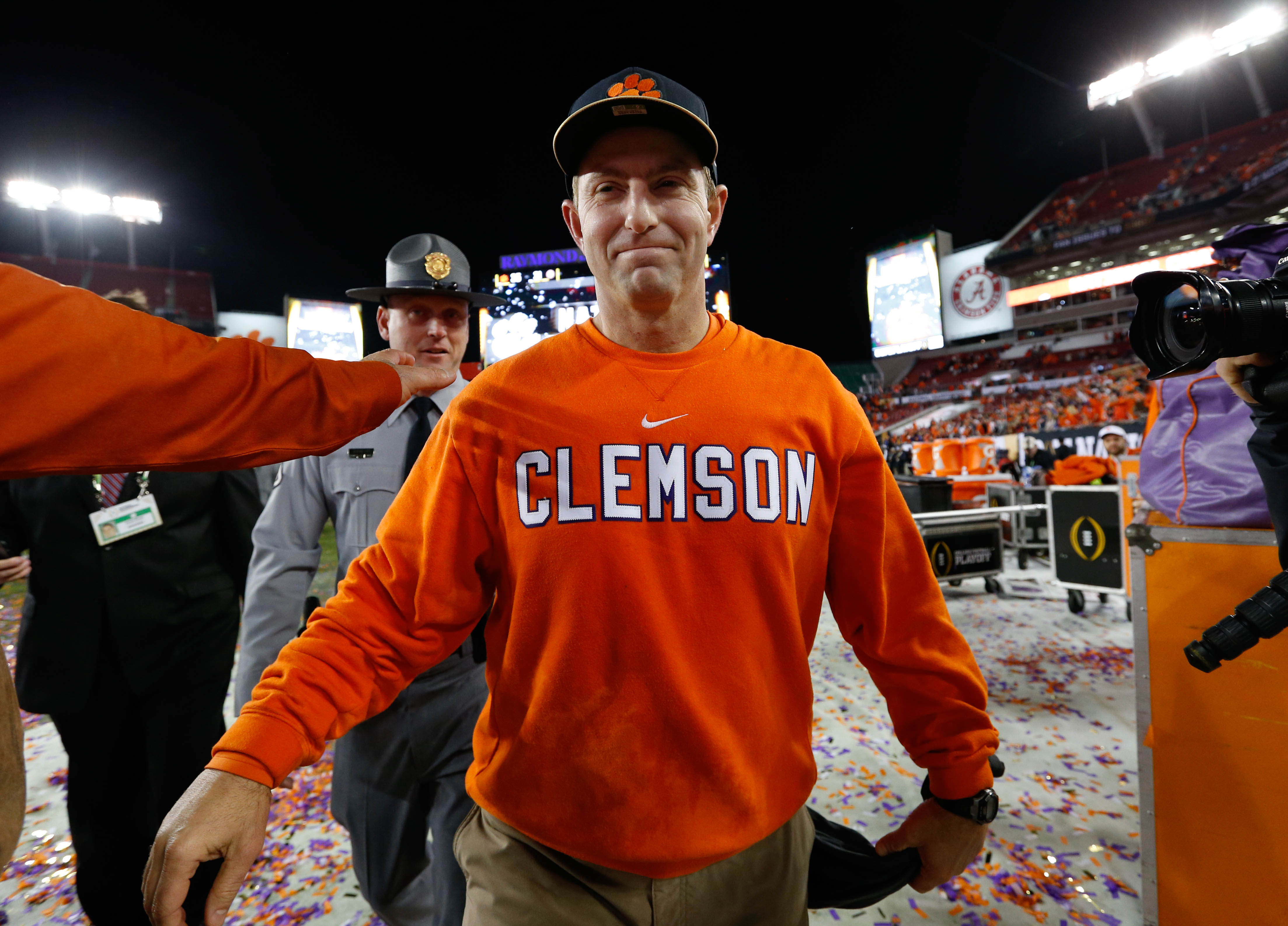 Dabo Swinney Treated Like A Rock Star In Vols Country