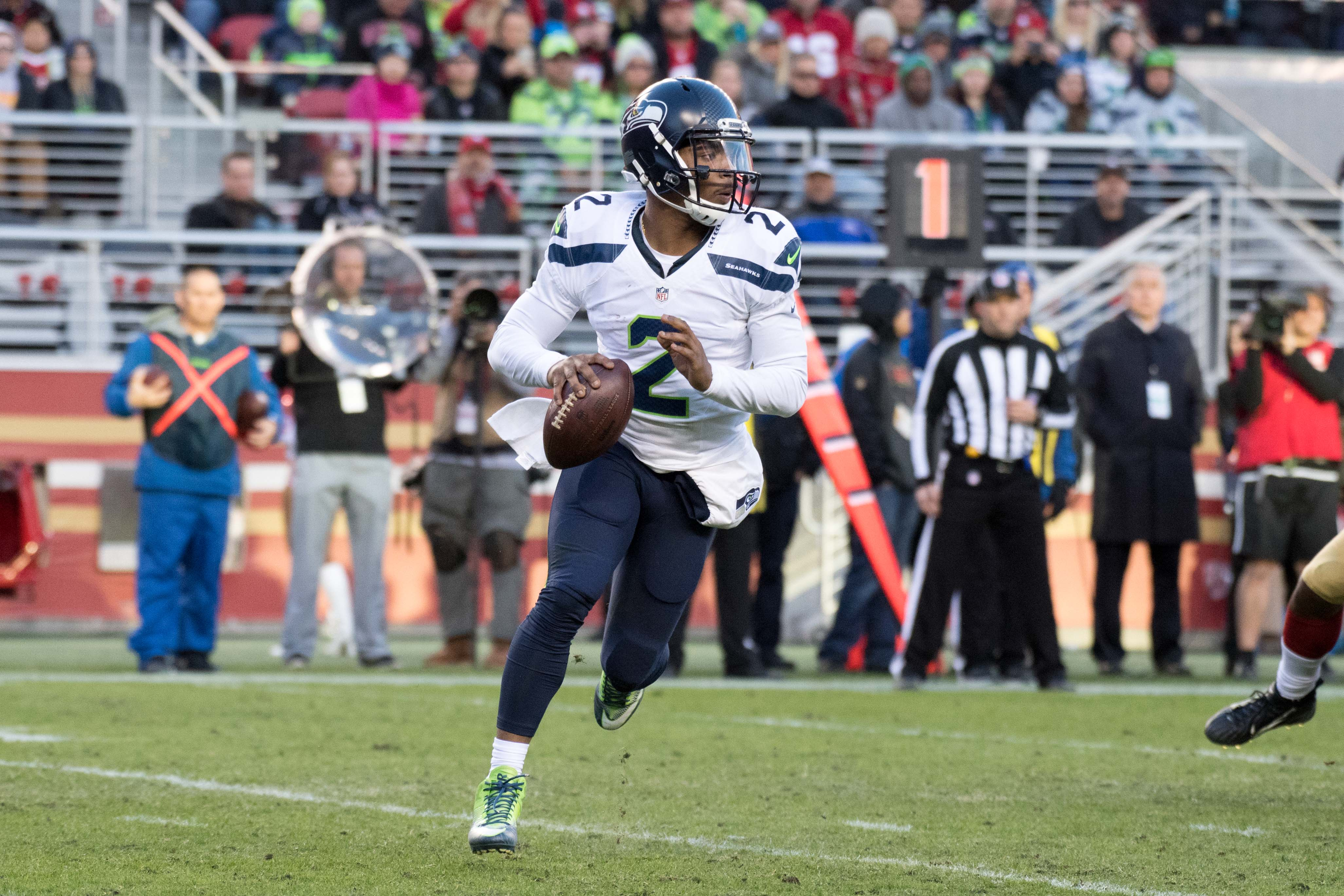 9823136-nfl-seattle-seahawks-at-san-francisco-49ers