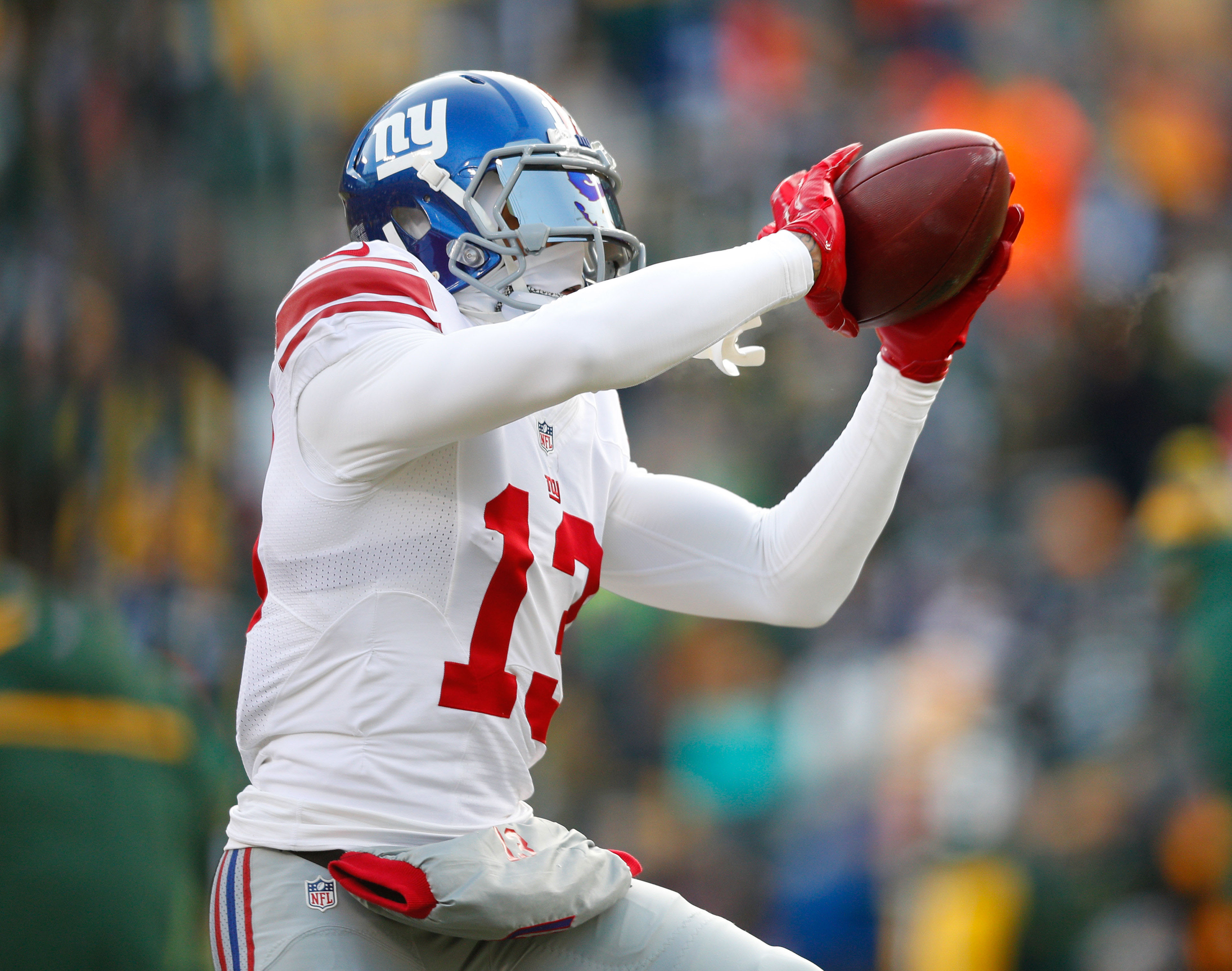 9823855-nfl-nfc-wild-card-new-york-giants-at-green-bay-packers