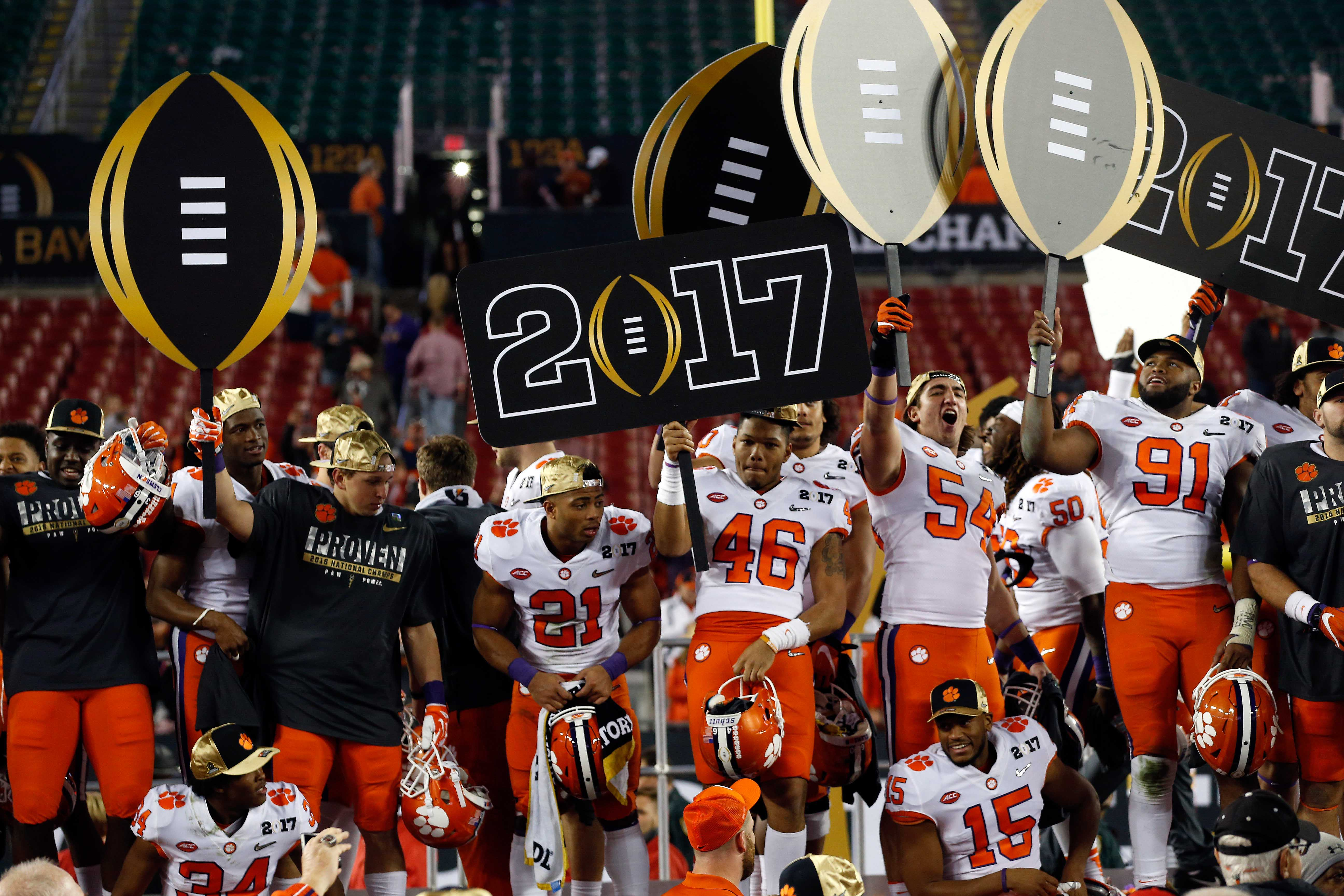 15 Biggest College Football Storylines To Watch In 2017