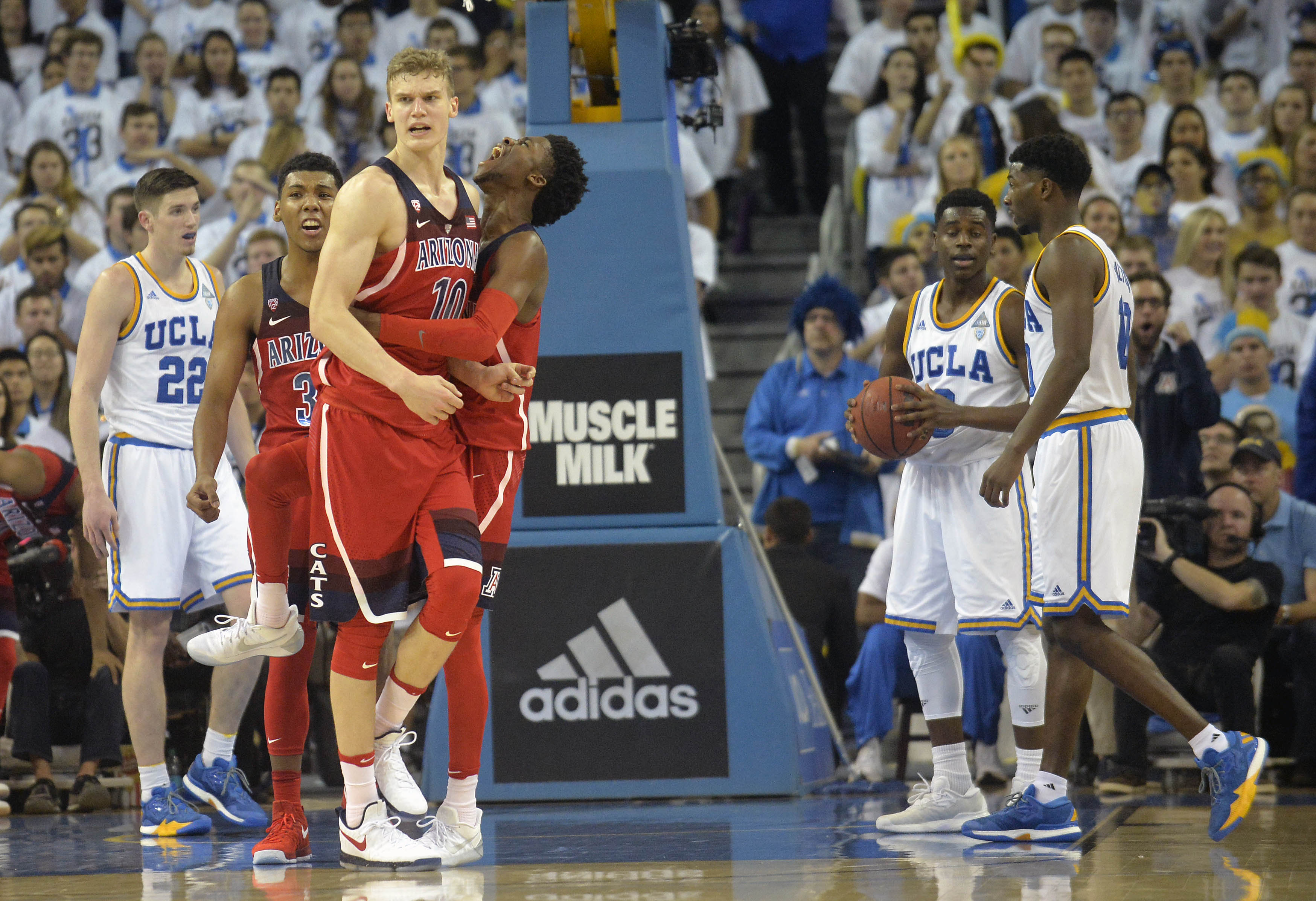 9828392-ncaa-basketball-arizona-at-ucla