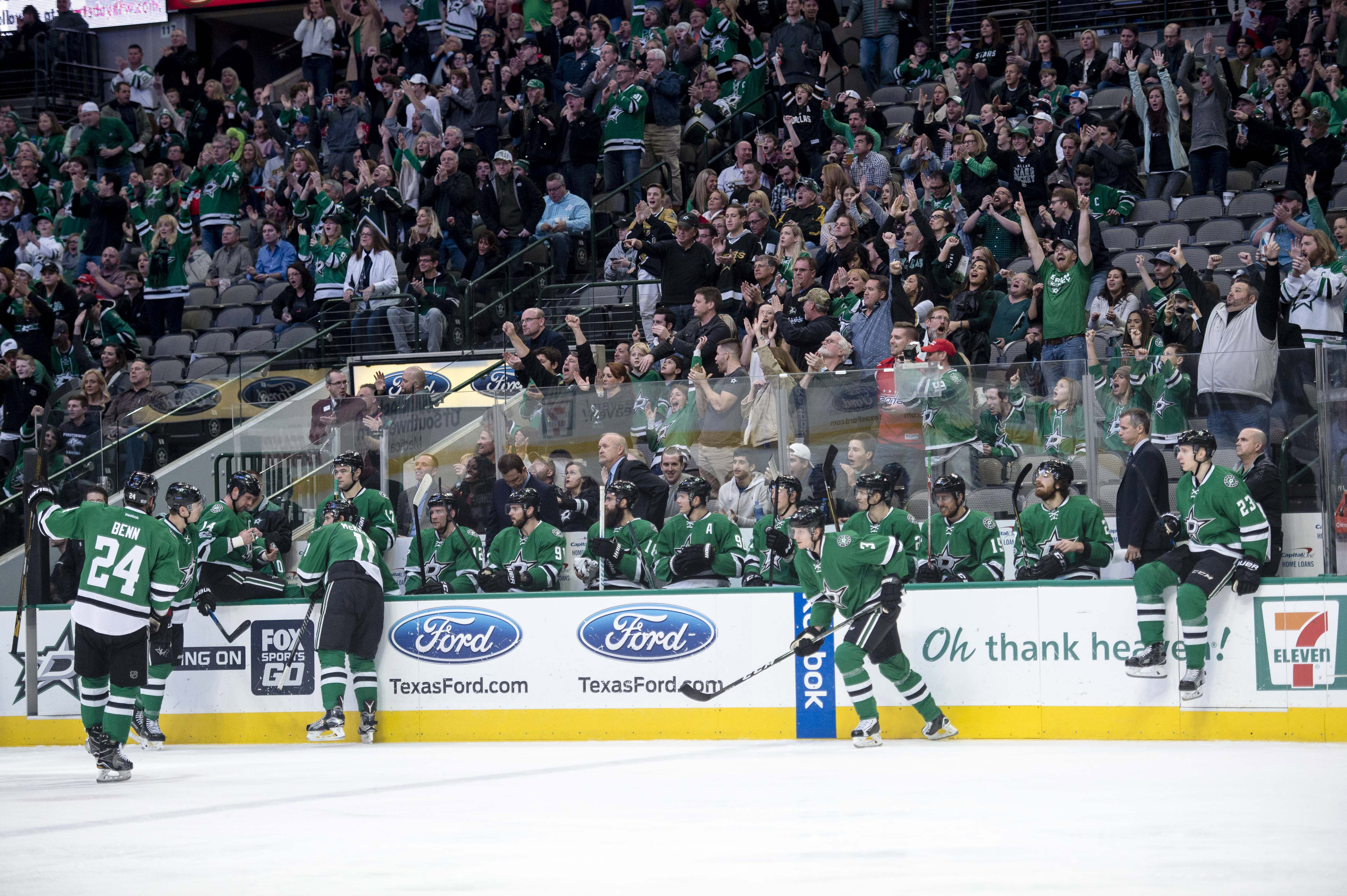 9829192-nhl-washington-capitals-at-dallas-stars
