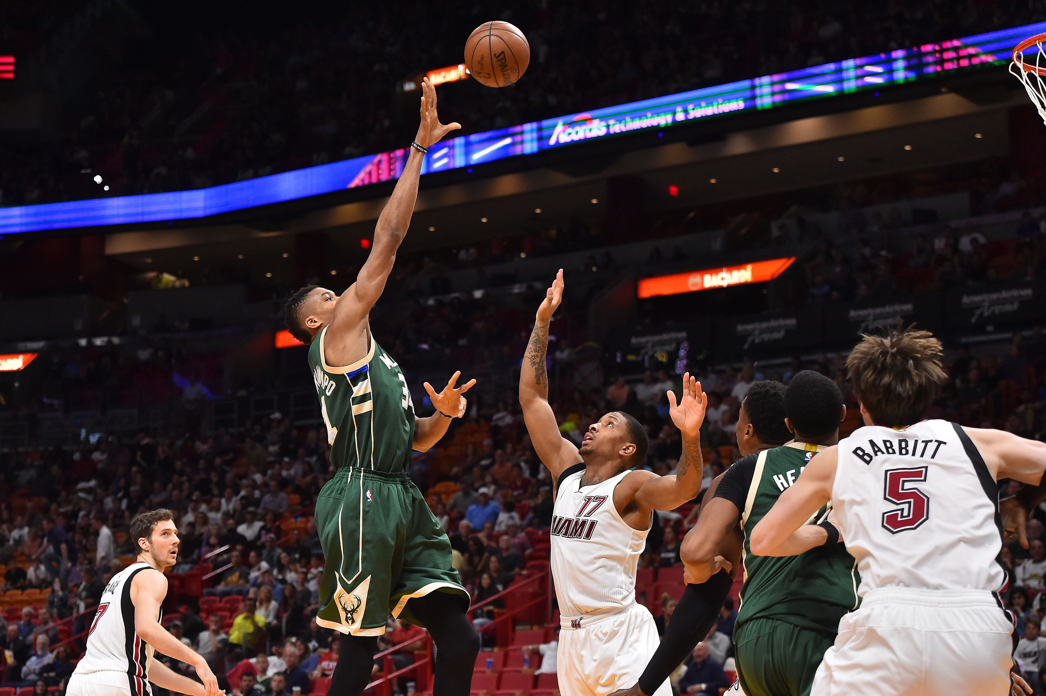 9829568-nba-milwaukee-bucks-at-miami-heat