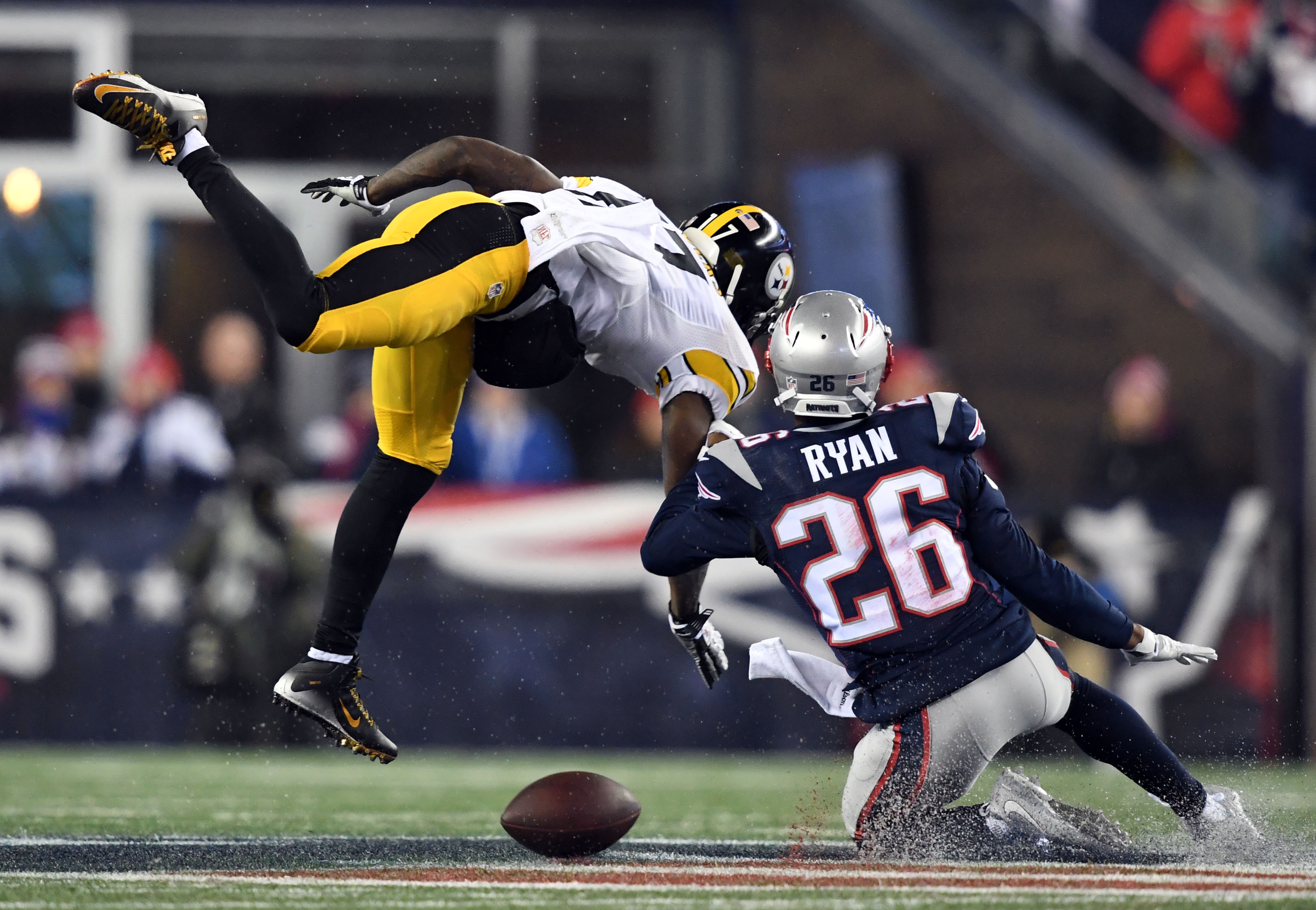 9832831-nfl-afc-championship-pittsburgh-steelers-at-new-england-patriots