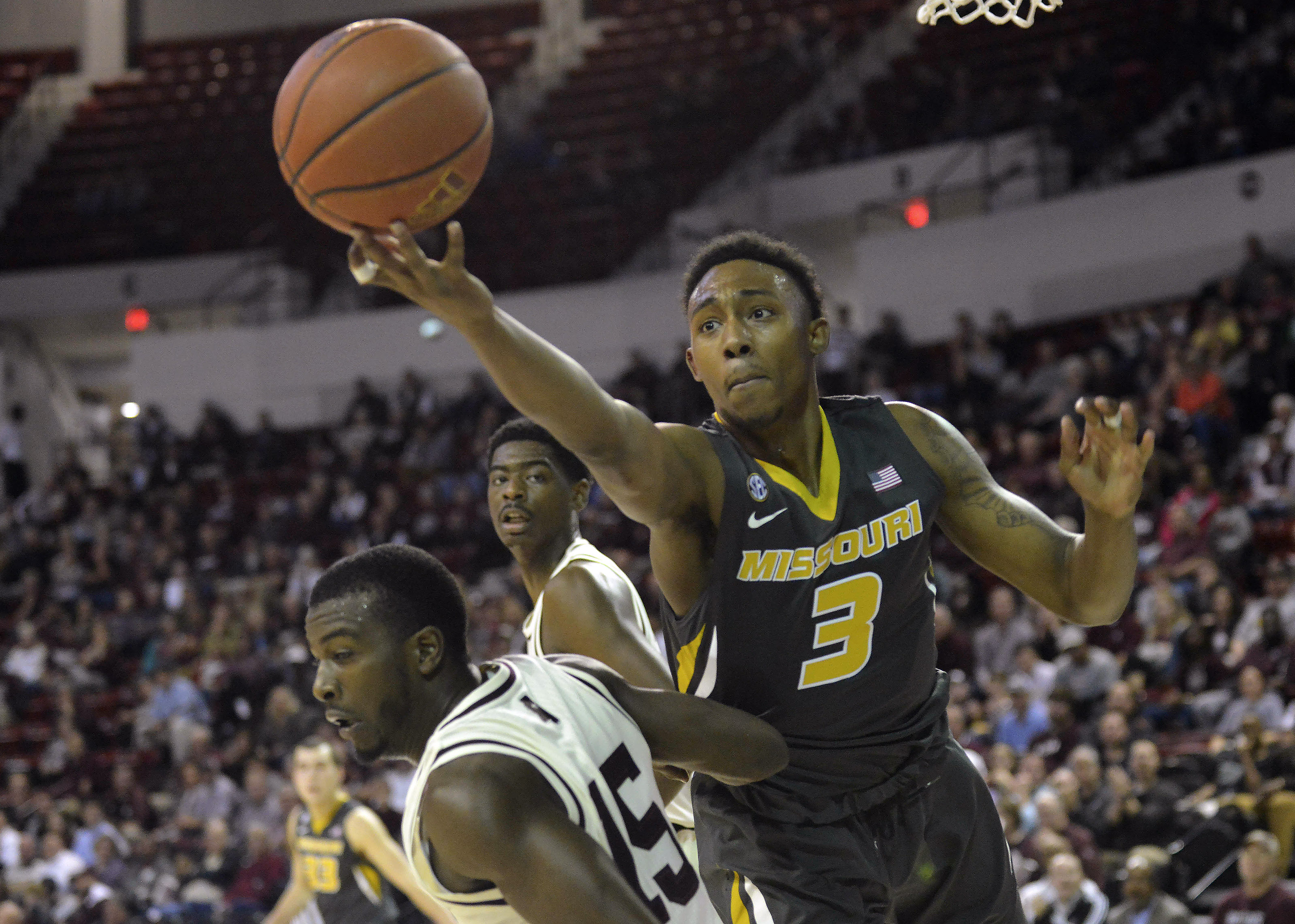 9837407-ncaa-basketball-missouri-at-mississippi-state