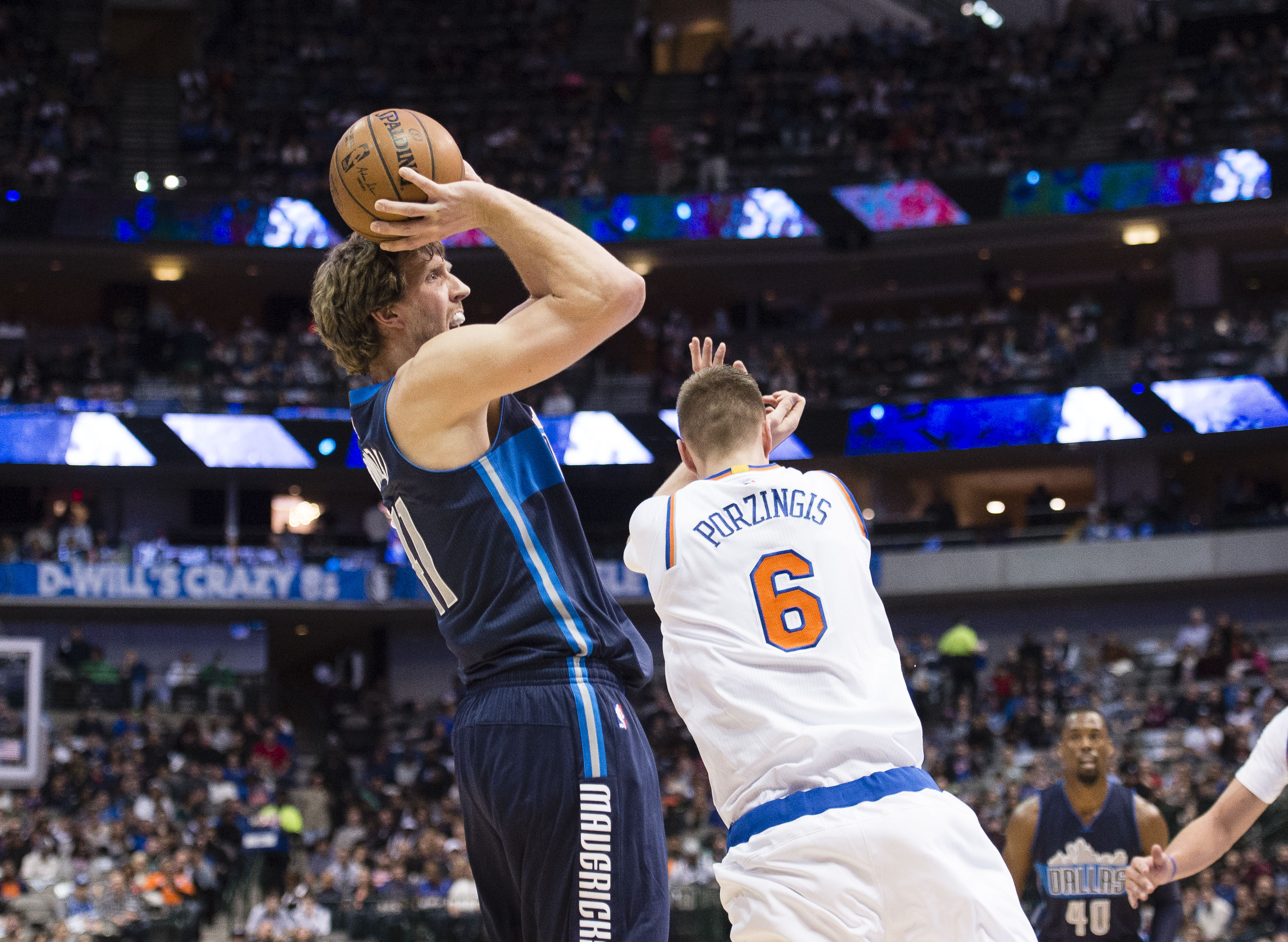 9837527-nba-new-york-knicks-at-dallas-mavericks