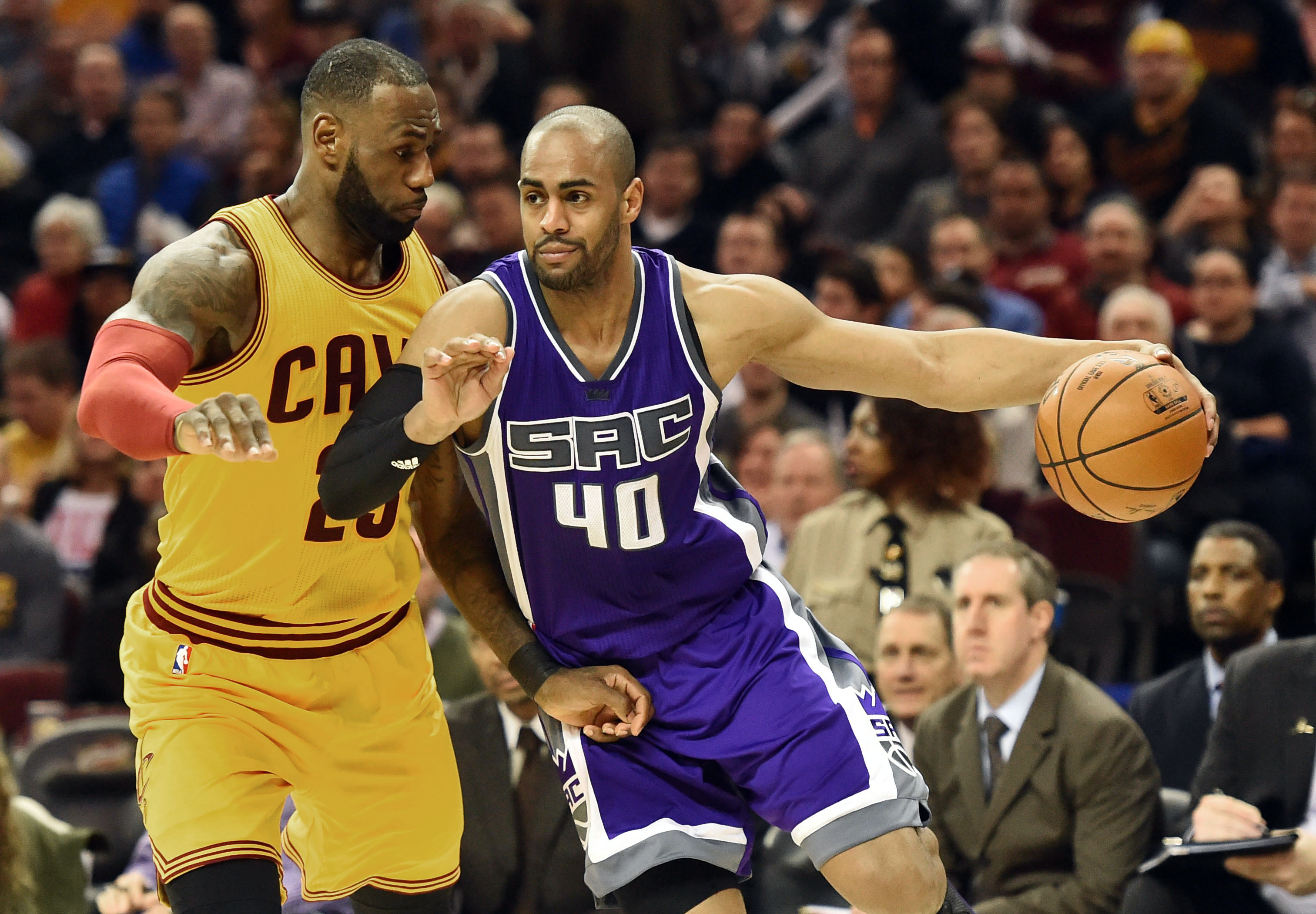 Jan 25, 2017; Cleveland, OH, USA; Sacramento Kings guard Arron Afflalo (40) drives to the basket against Cleveland Cavaliers forward LeBron James (23) during the second half at Quicken Loans Arena. The Kings won 116-112. Mandatory Credit: Ken Blaze-USA TODAY Sports
