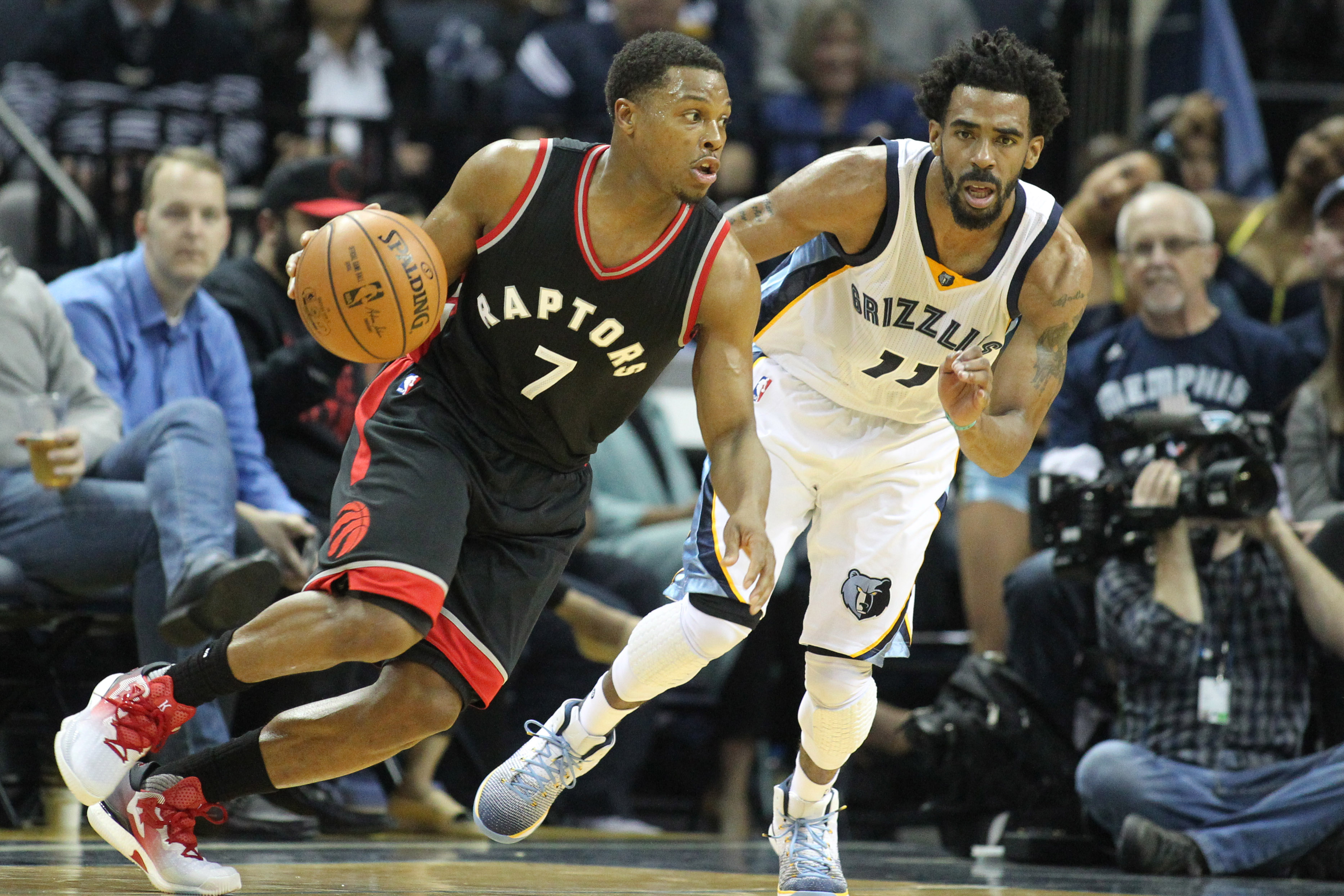 9838140-nba-toronto-raptors-at-memphis-grizzlies