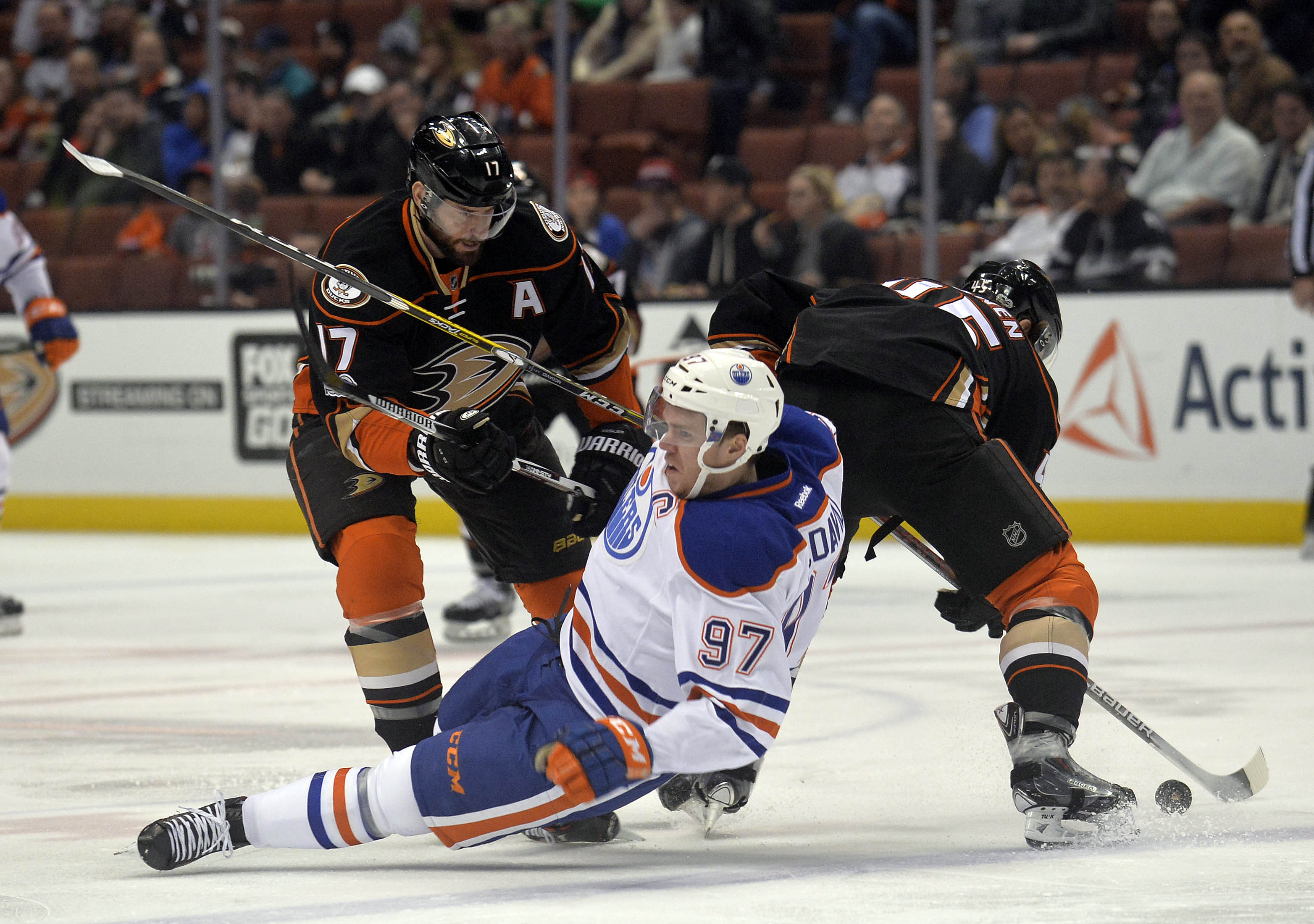 9838411-nhl-edmonton-oilers-at-anaheim-ducks