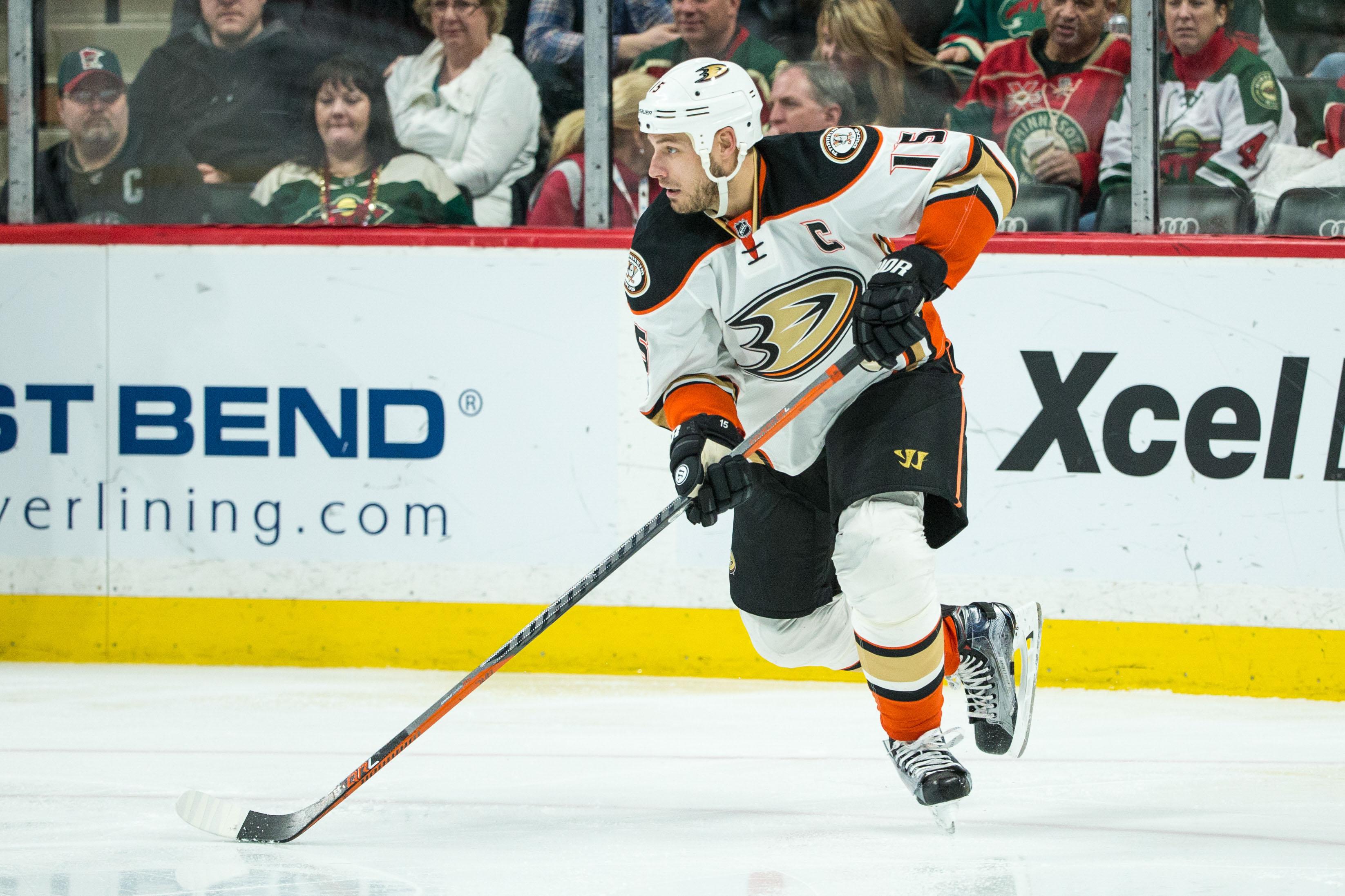7f1d52b7 NHL Power Rankings: Anaheim Ducks forward Ryan Getzlaf (15) during a game  between